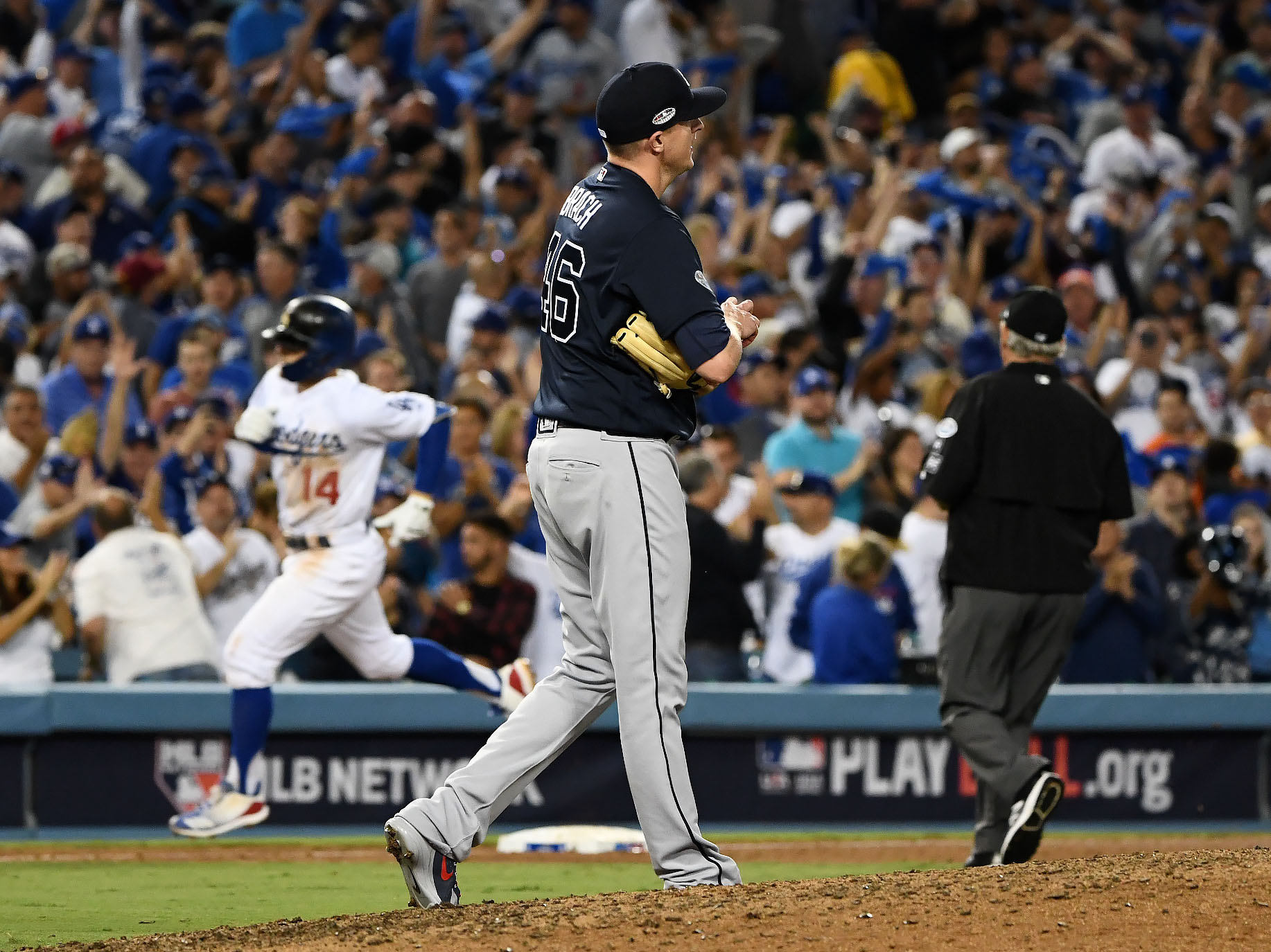 Too Many Mistakes Lead to Braves Loss in NLDS Opener