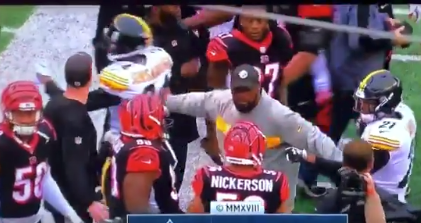 Watch: Mike Tomlin forced to break up postgame fight between Bengals, Steelers