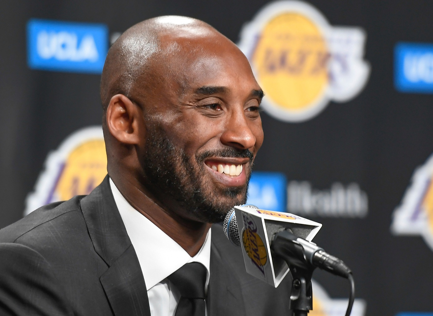 Kobe Bryant advised Jeanie Buss to reconstruct front office to attract LeBron James