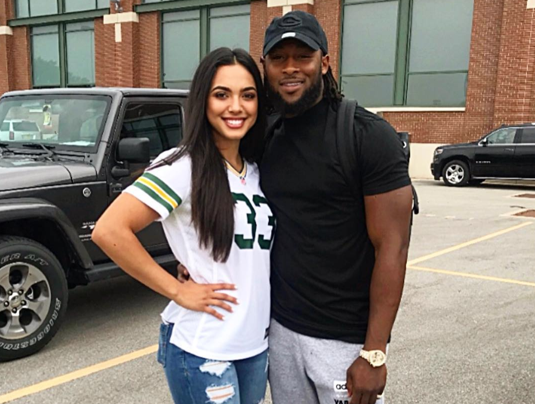 Look Packers Rb Aaron Jones Has A Beautiful Girlfriend The Sports Daily