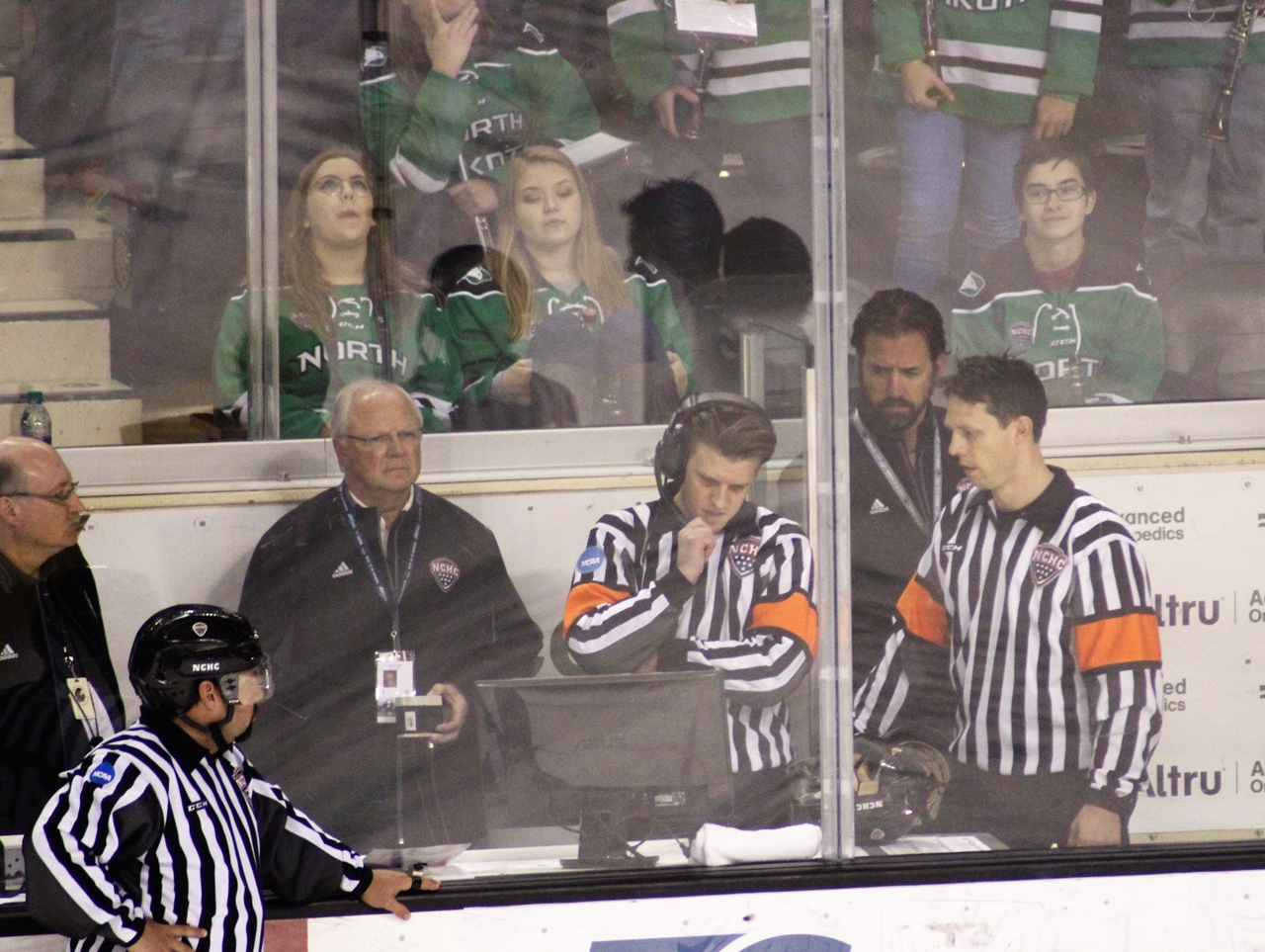 College Hockey: Ice Hockey Rules Committee Proposes 3-On-3 Overtime Format Change