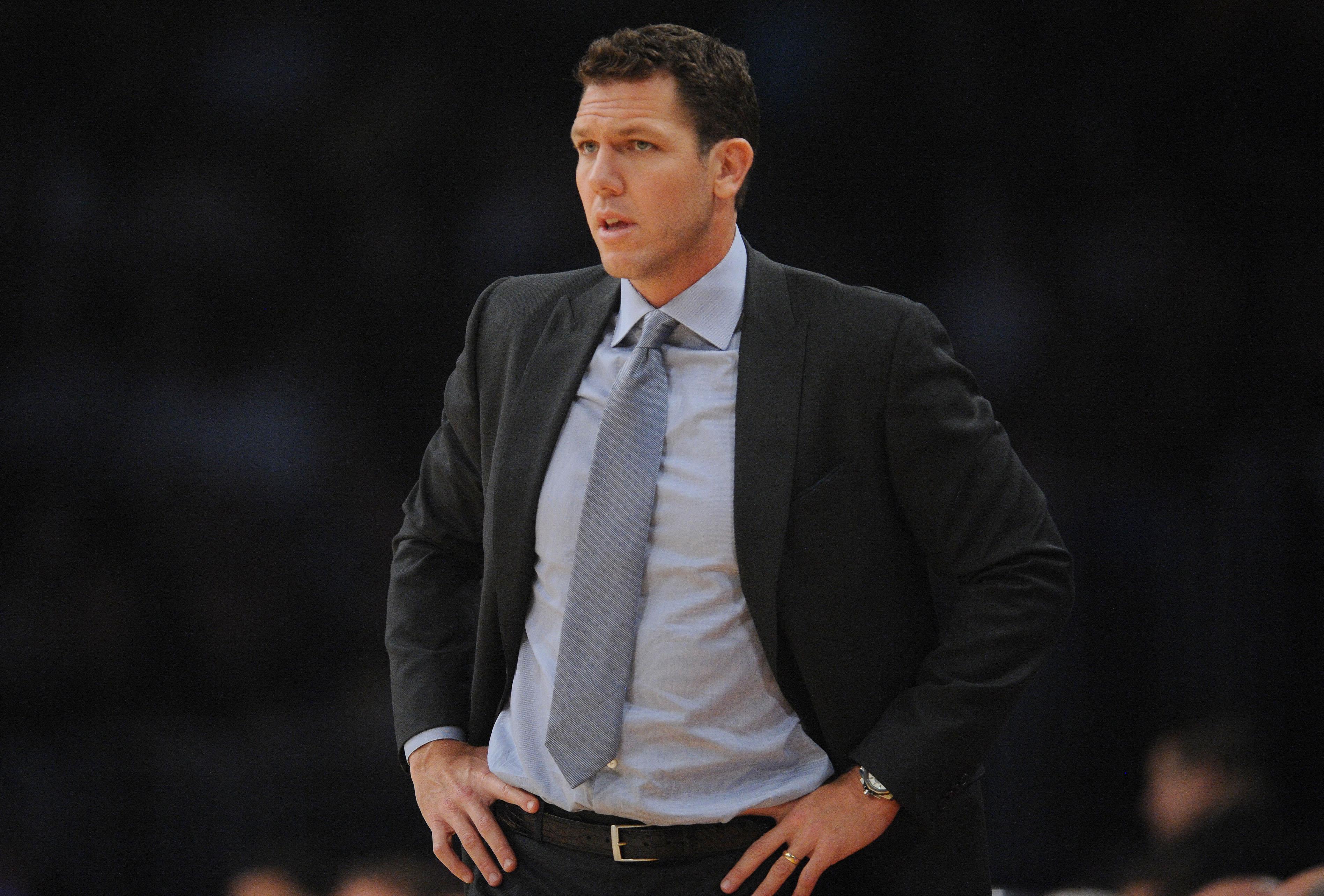 """Luke Walton """"not in danger' of being fired by Lakers"""