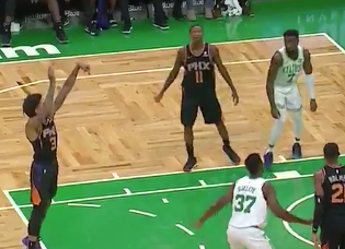 Kelly Oubre booed by Celtics fans, then taunts them (Video)