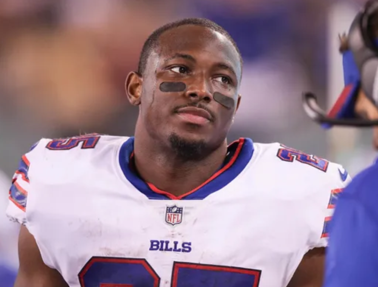 LeSean McCoy's benching shows riff with coaches, makes future with team look bleak