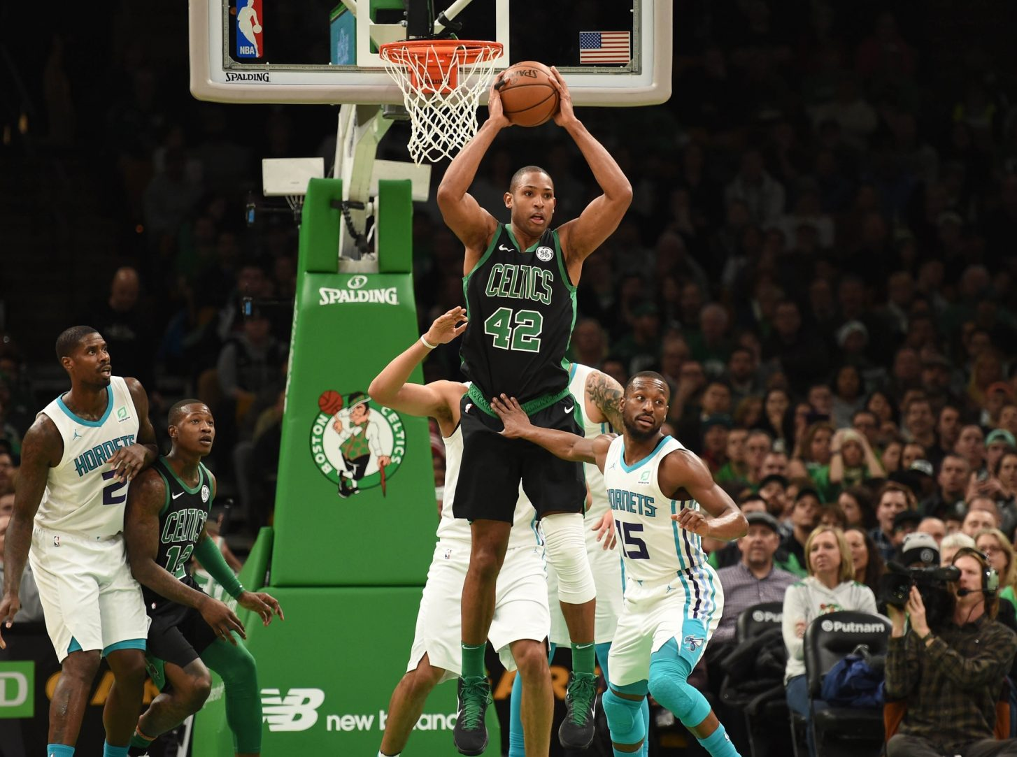Recap: Celtics pull wings off Hornets and eat them to snap losing streak