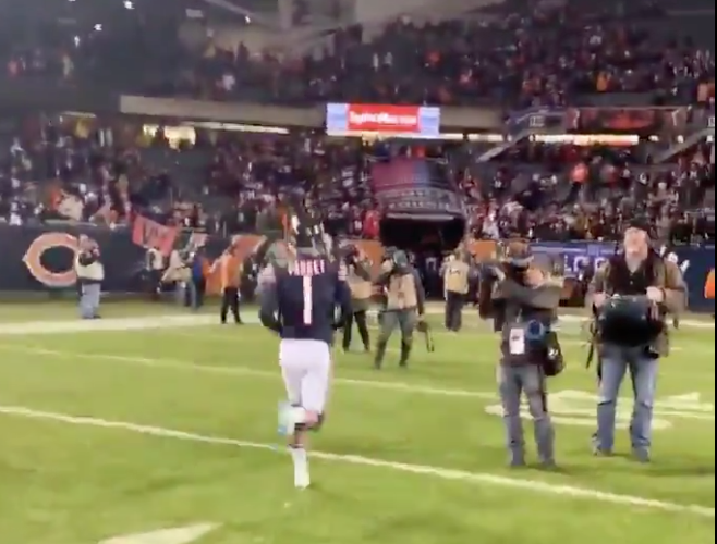 Cody Parkey booed off field by Bears fans after missed field goal (Video)