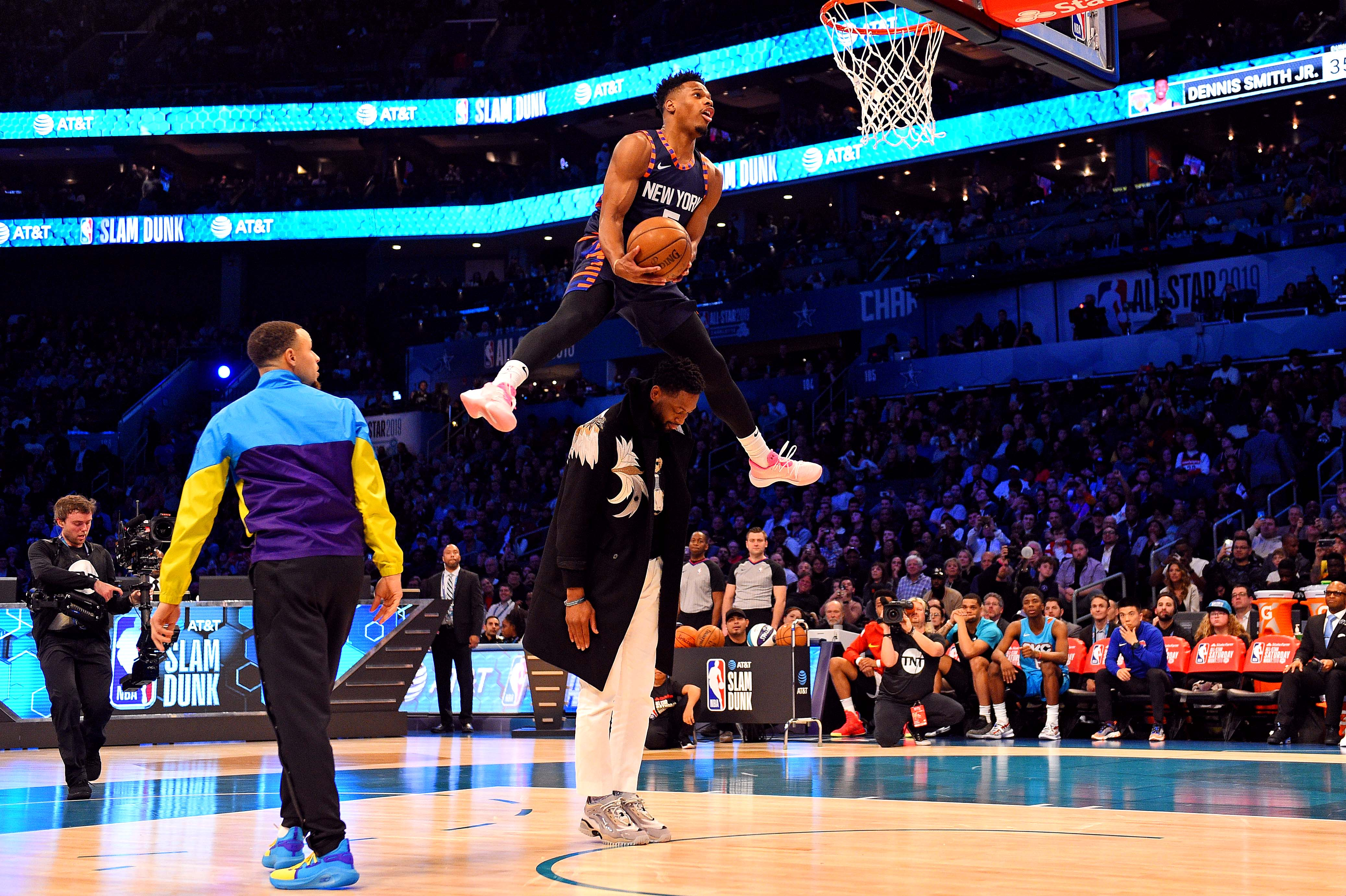 Dennis Smith Jr. leaps over Dwyane Wade, throws down sick slam in Dunk Contest (Video)