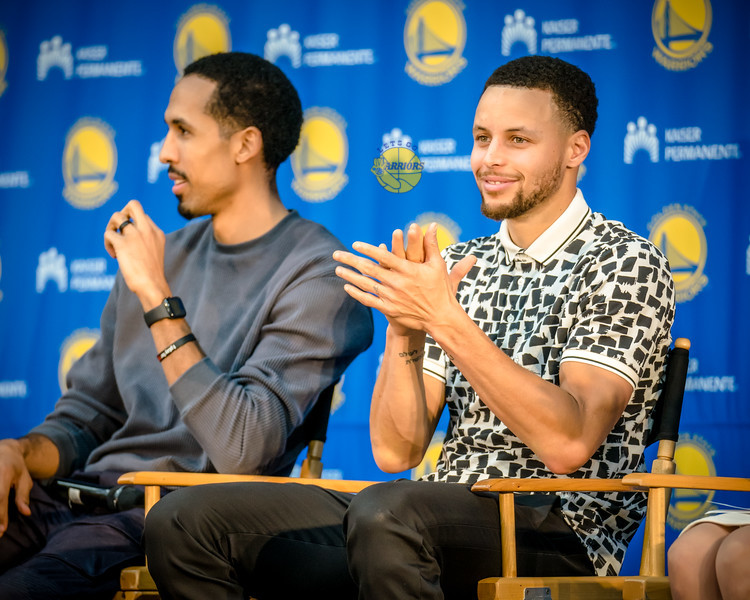 [PHOTO GALLERY] Steph Curry and Shaun Livingston kick off Generation Thrive to help non-profits at Warriors practice facility in Oakland