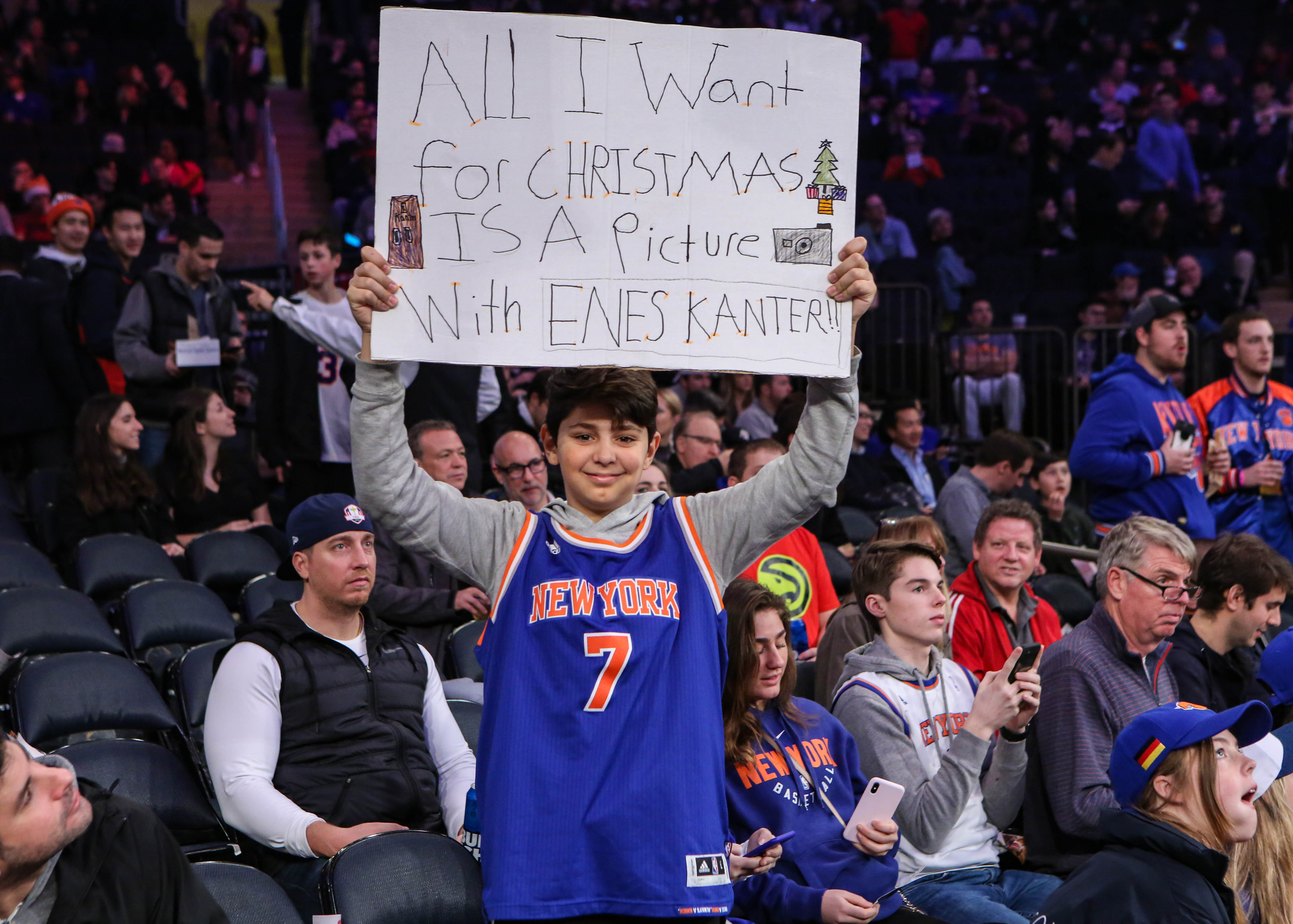 Knicks fans troll Nuggets with funny Isaiah Thomas chant (Video)