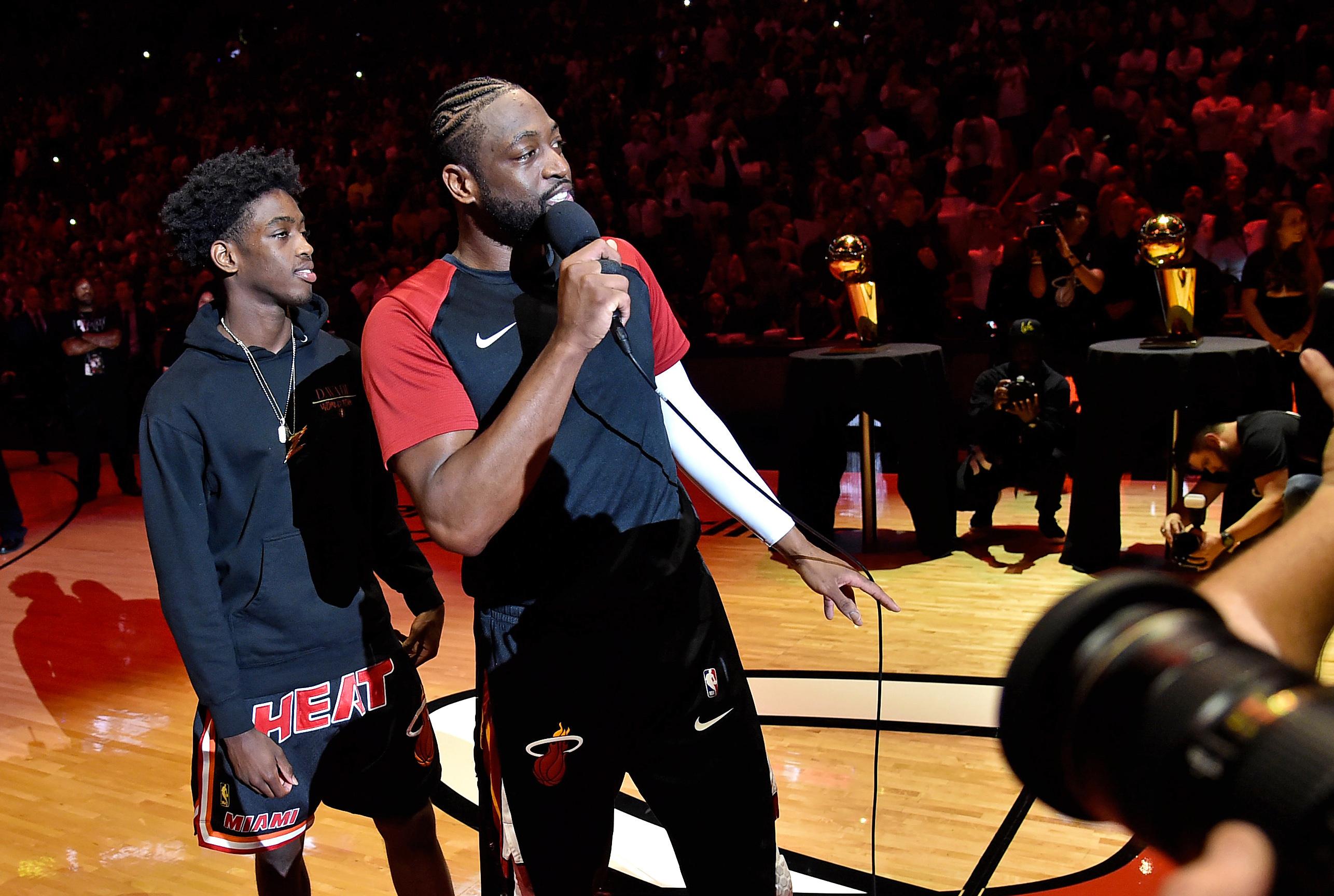 Miami Heat honor Dwyane Wade before final home game of NBA career (Video)
