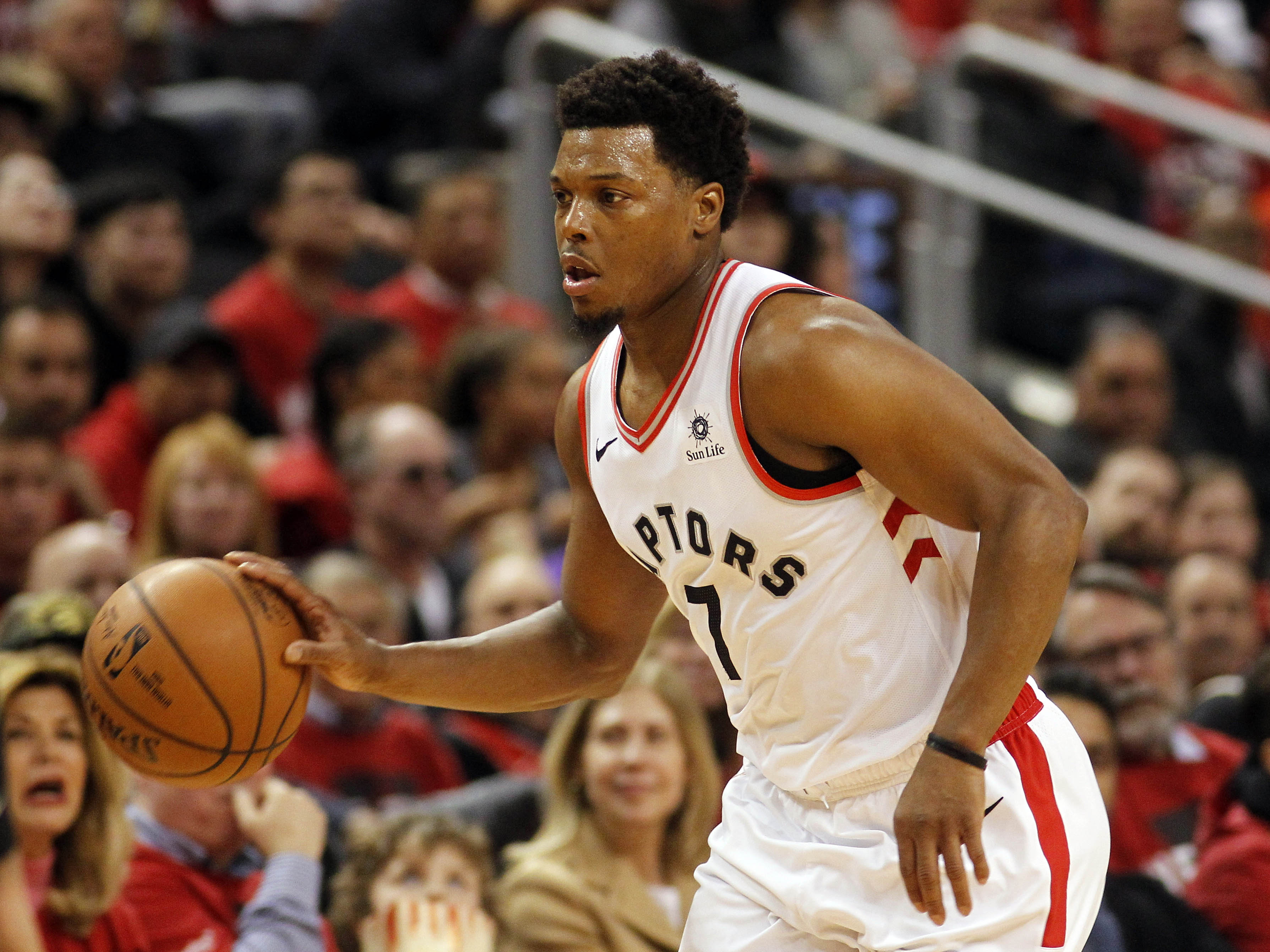 Raptors sign Kyle Lowry to one-year extension