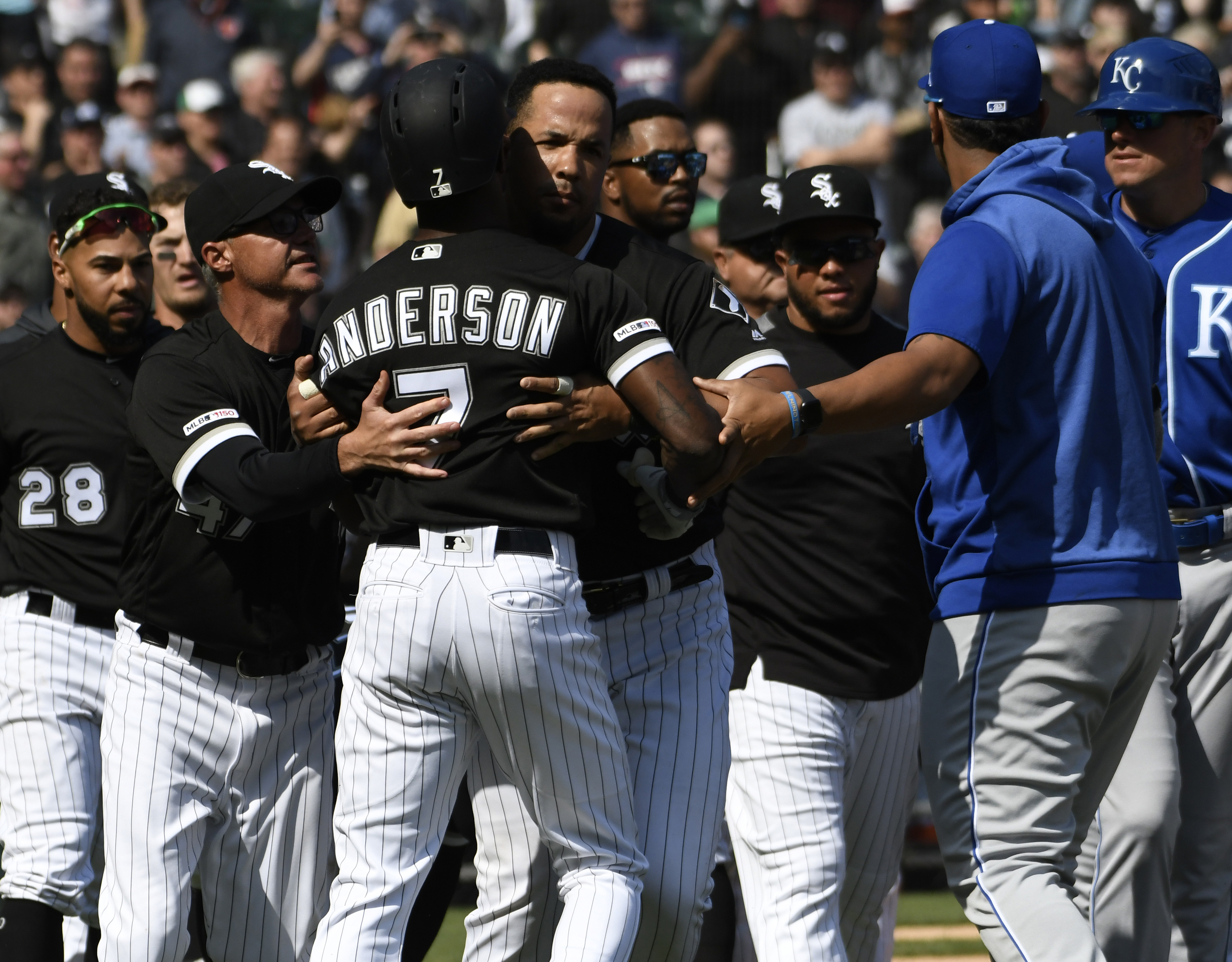 Tim Anderson pimps home run, then gets drilled by pitcher to spark benches-clearing altercation (Video)