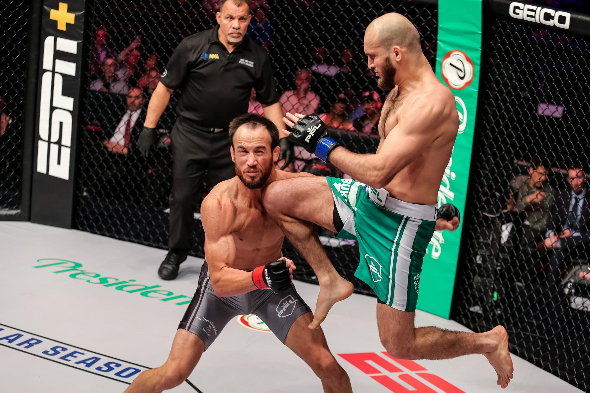 Movlid Khaybulaev KO's Damon Jackson with a vicious flying knee at PFL 2 (Video)