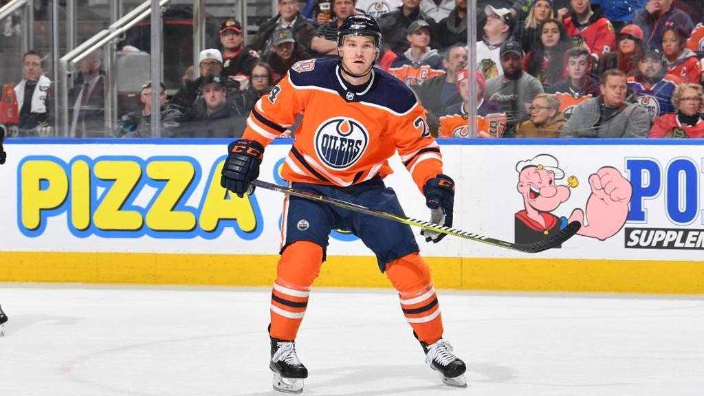 BREAKING: Oilers Re-Sign Malone, Starrett