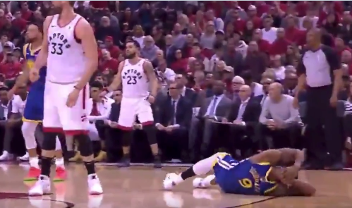 Andre Iguodala gets flattened by Marc Gasol on brutal screen (Video)
