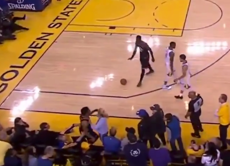 Warriors fan shoves Kyle Lowry during game (Video)