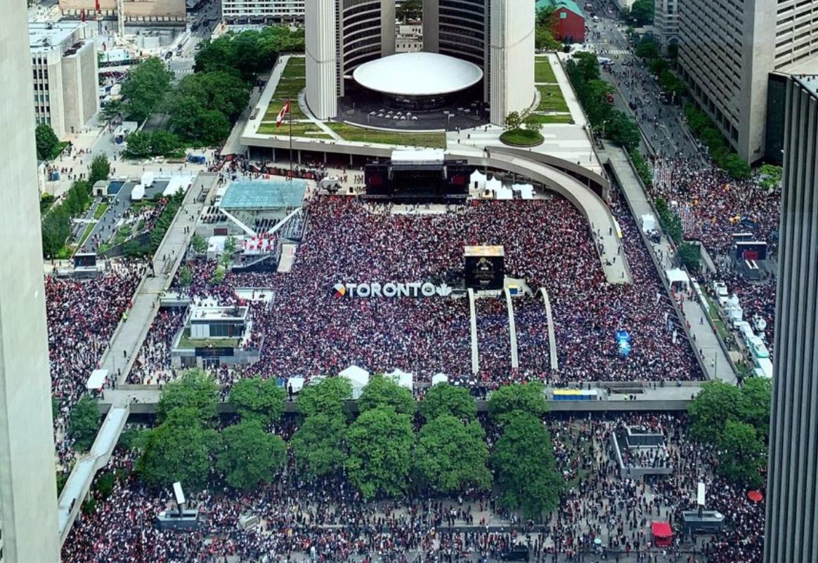 Look: Raptors fans swarm Toronto streets for championship parade
