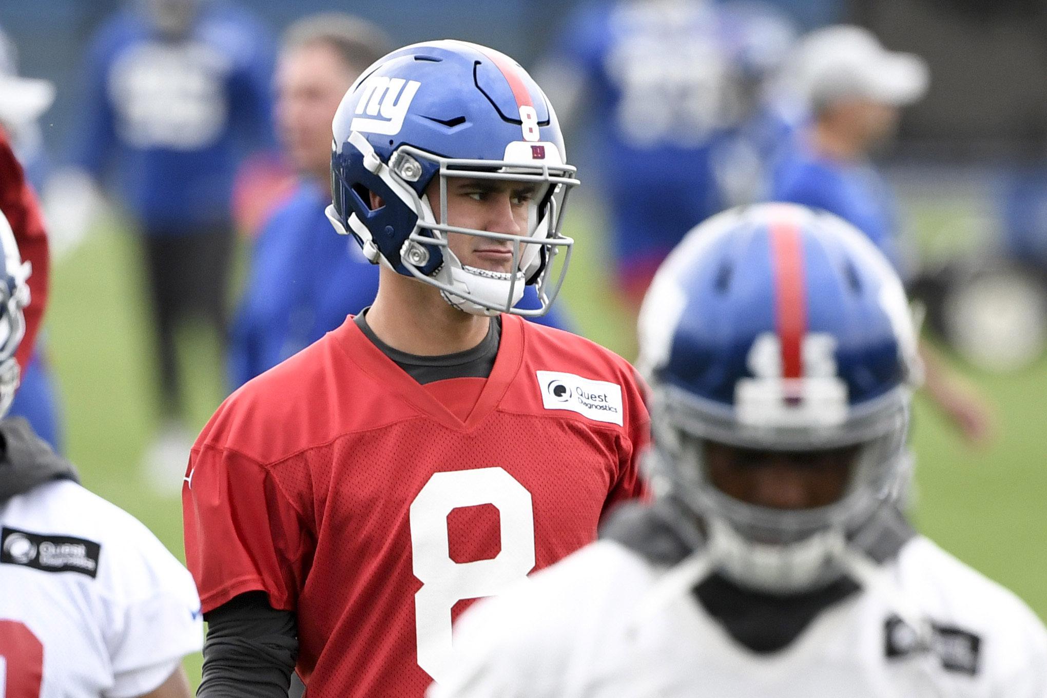 Giants rookie quarterback Daniel Jones booed at Yankee Stadium—for some reason