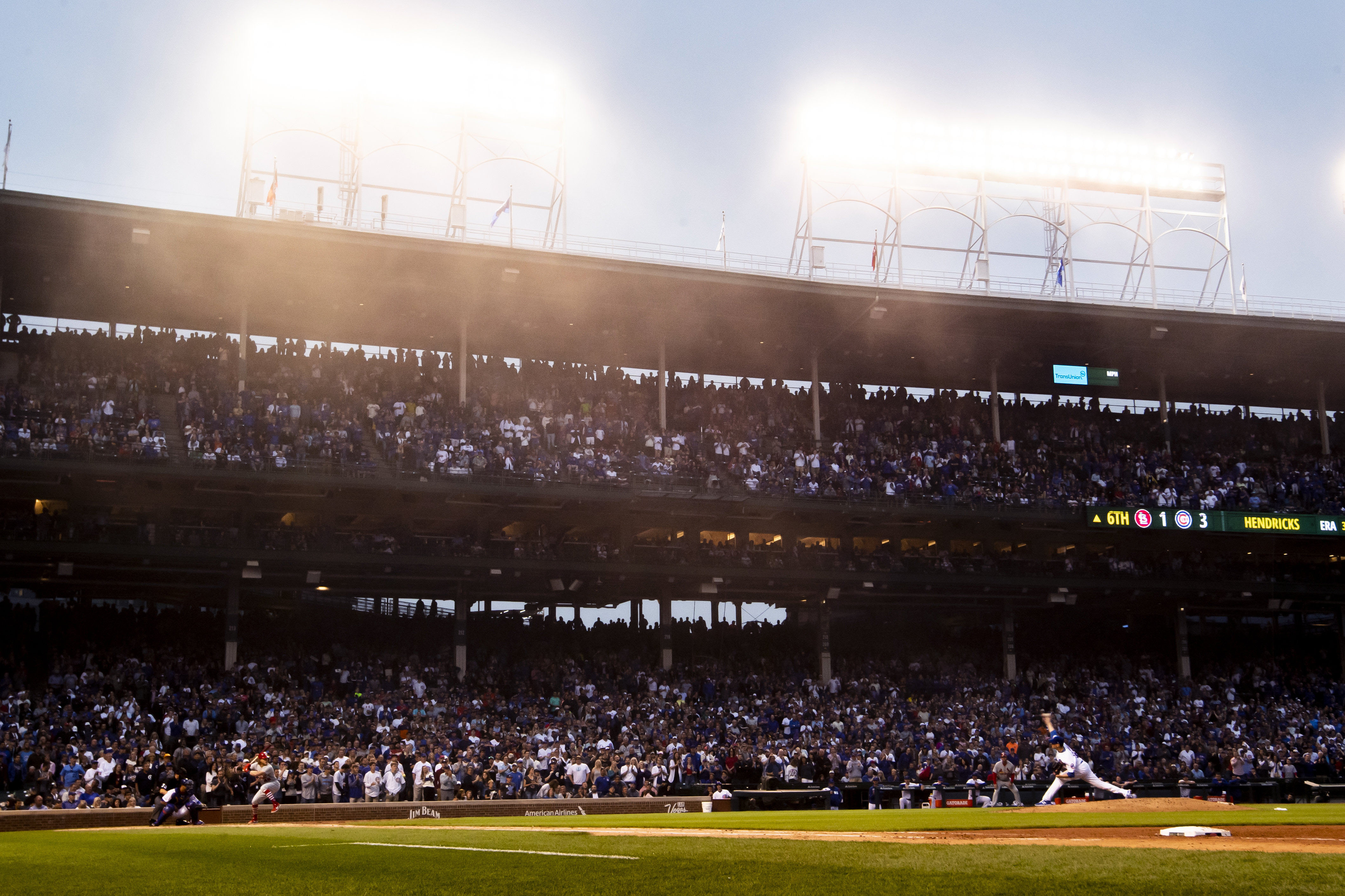 Cubs mulling opening sportsbook, betting kiosks at Wrigley Field