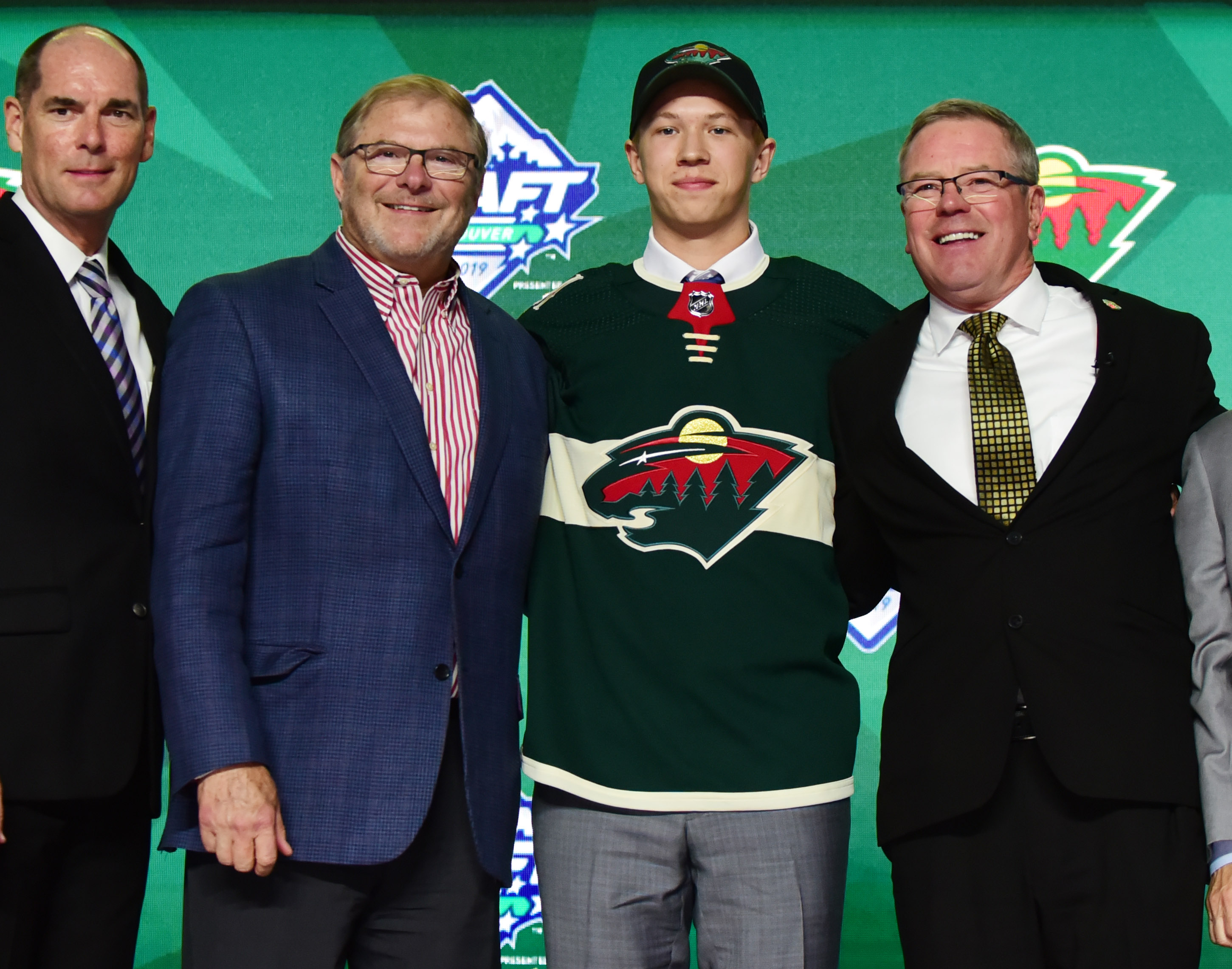 Minnesota Wild select Matthew Boldy in the 1st round of the 2019 NHL Entry Draft
