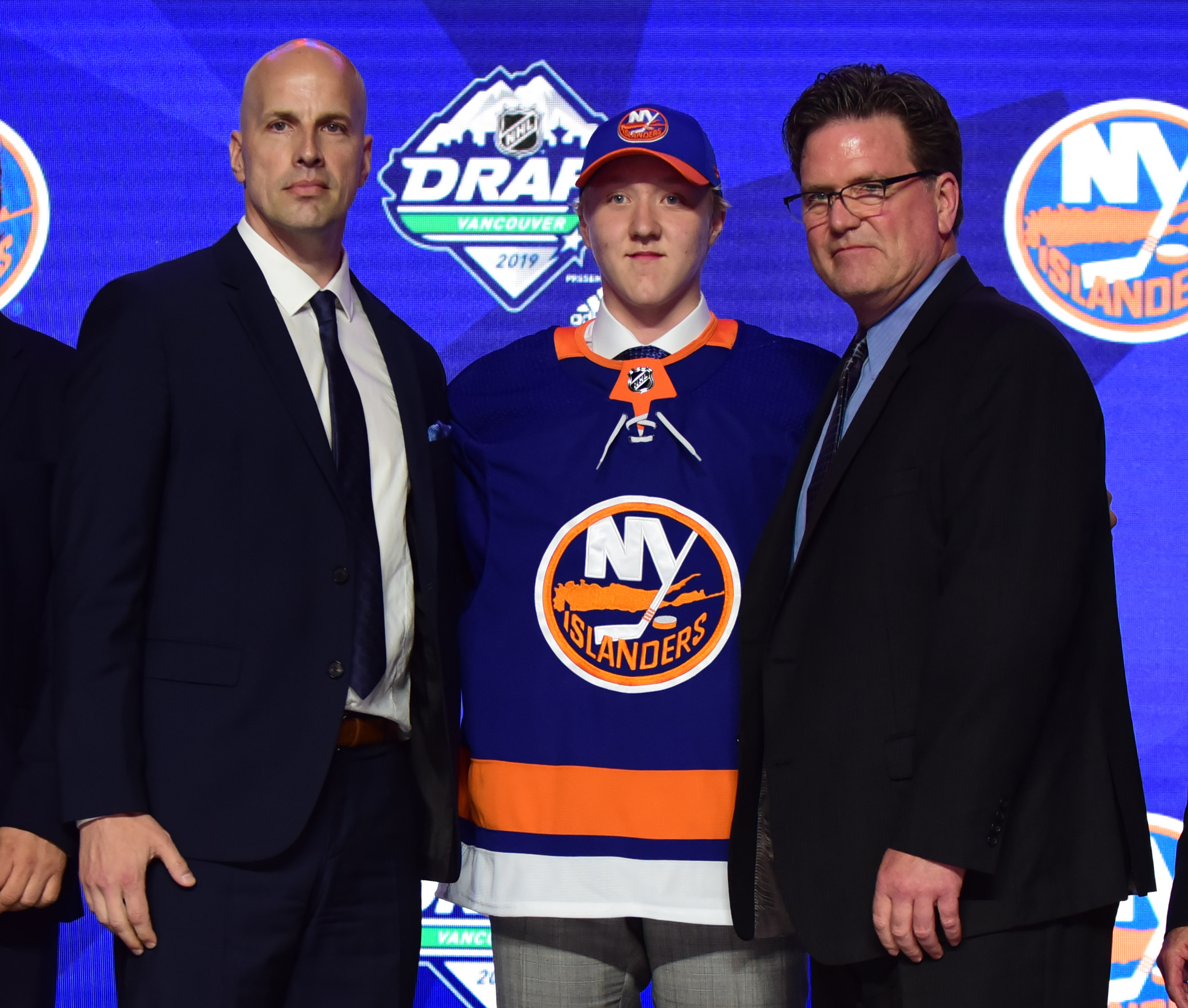 Isles go off the board in drafting Simon Holmstrom