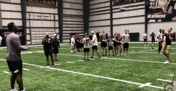 Drew Brees, Zion Williamson play catch at Saints training camp (Video)