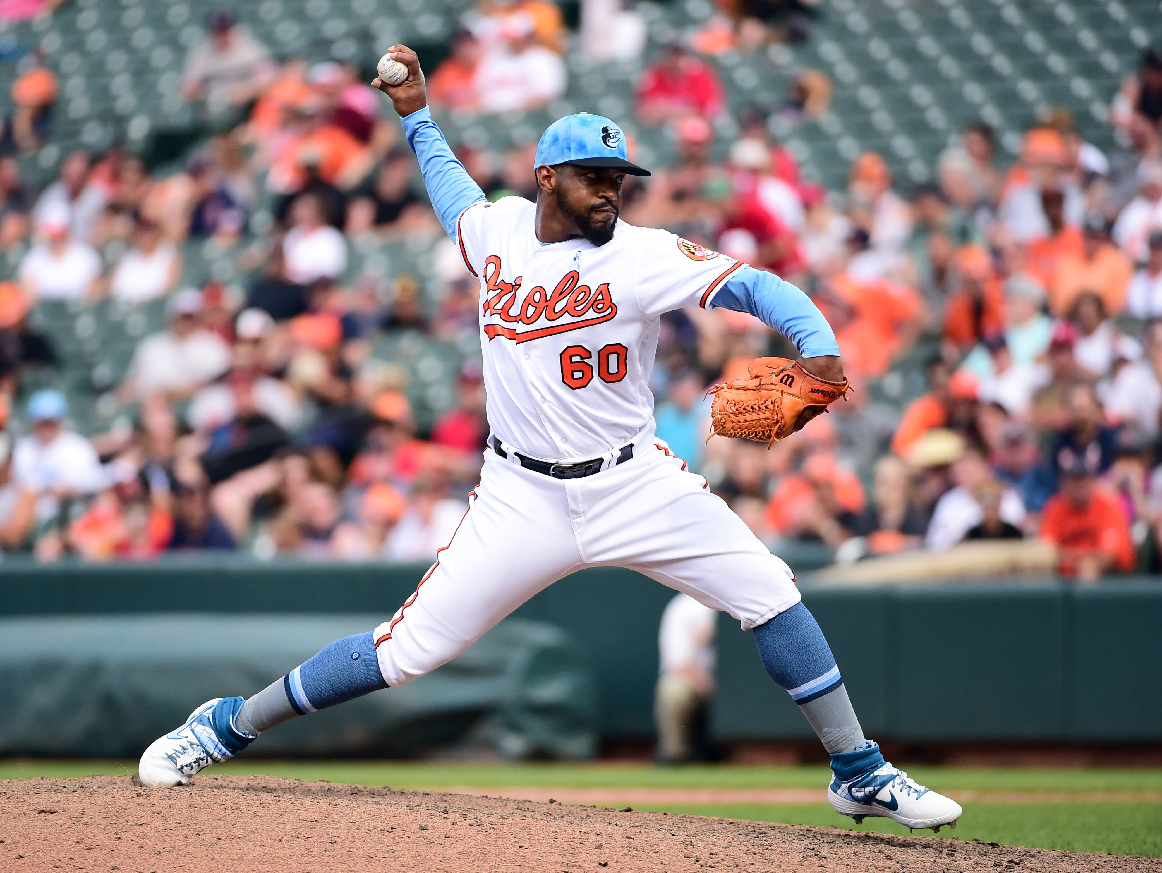 Phillies rumors indicate team interested in Mychal Givens