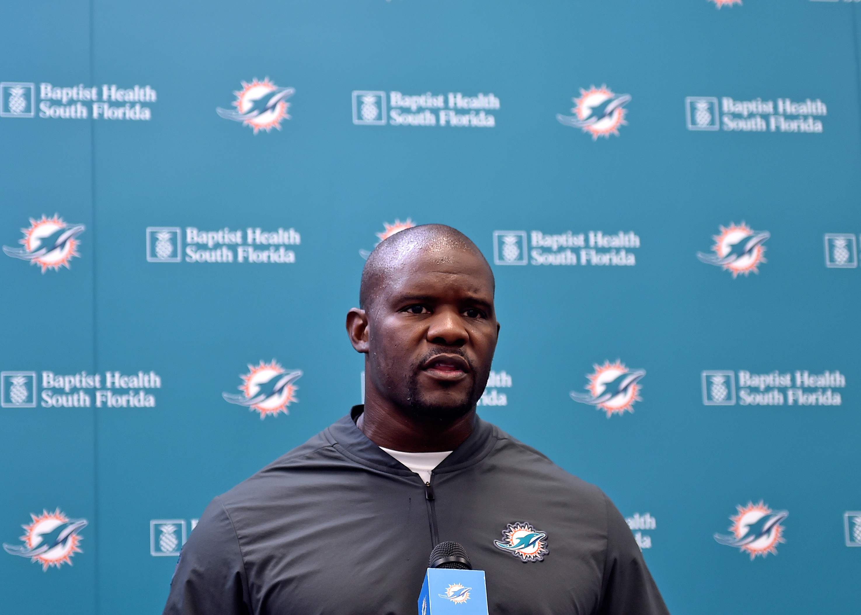 Brian Flores provides update on Dolphins' training camp battle for starting QB