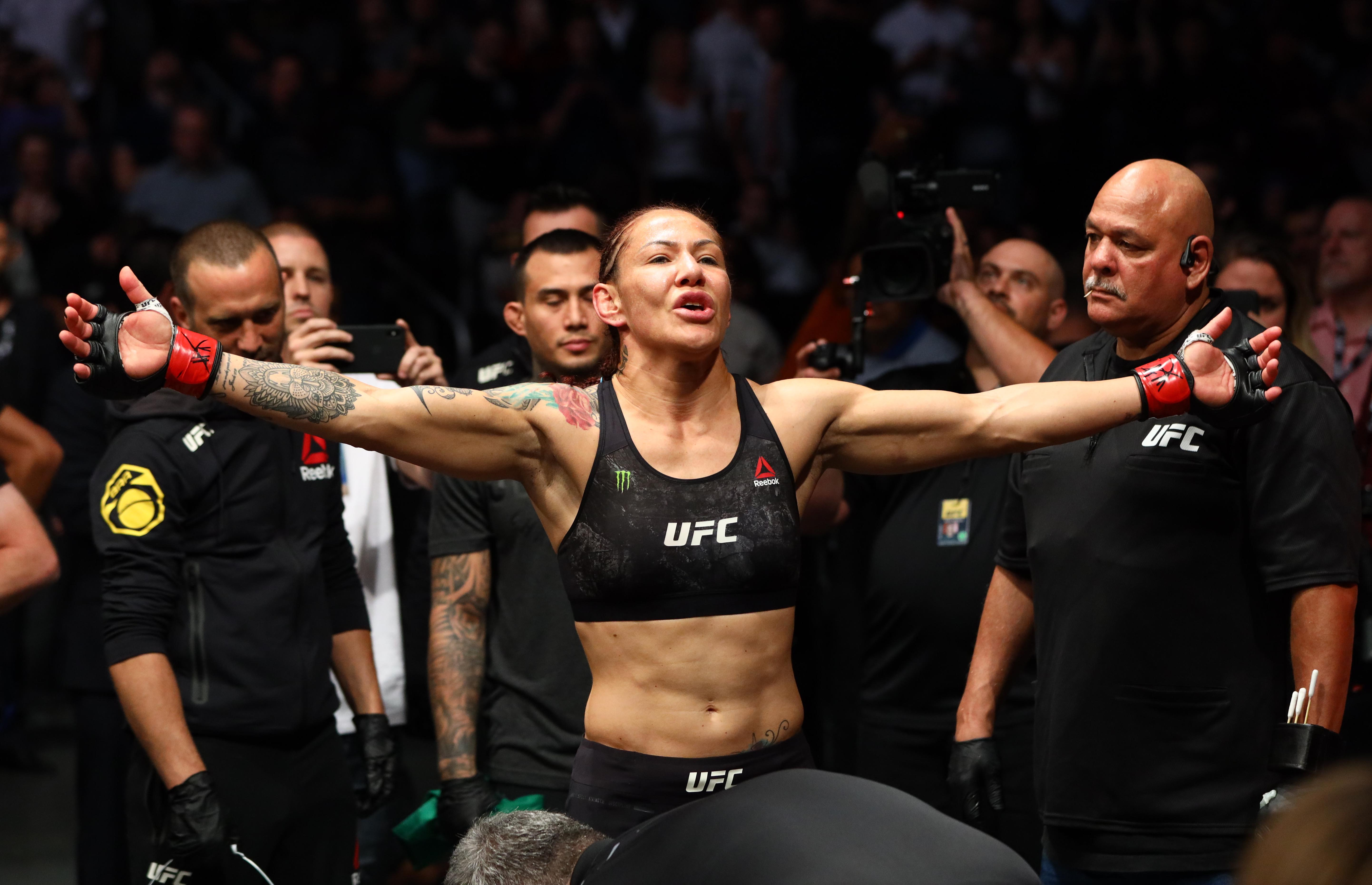 s cyborg signs with bellator