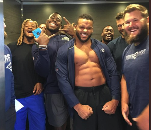 Look: Aaron Donald, Rams hilariously surprise woman in hotel elevator