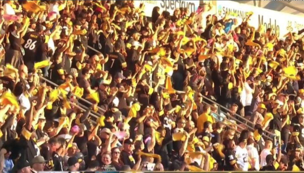 Look: Steelers fans completely take over road stadium for Chargers game