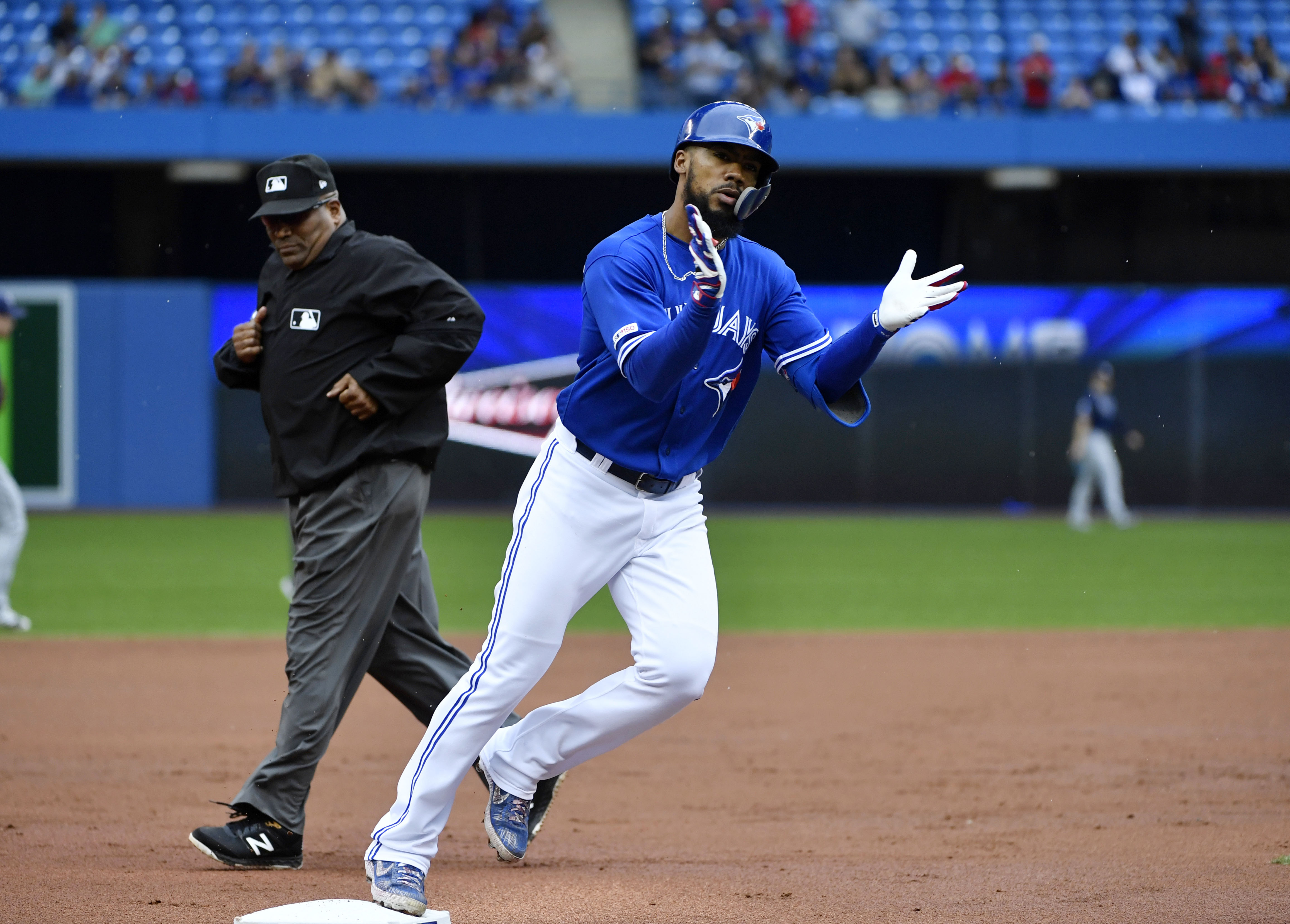 Blue Jays outfielder Teoscar Hernandez diagnosed with coronavirus
