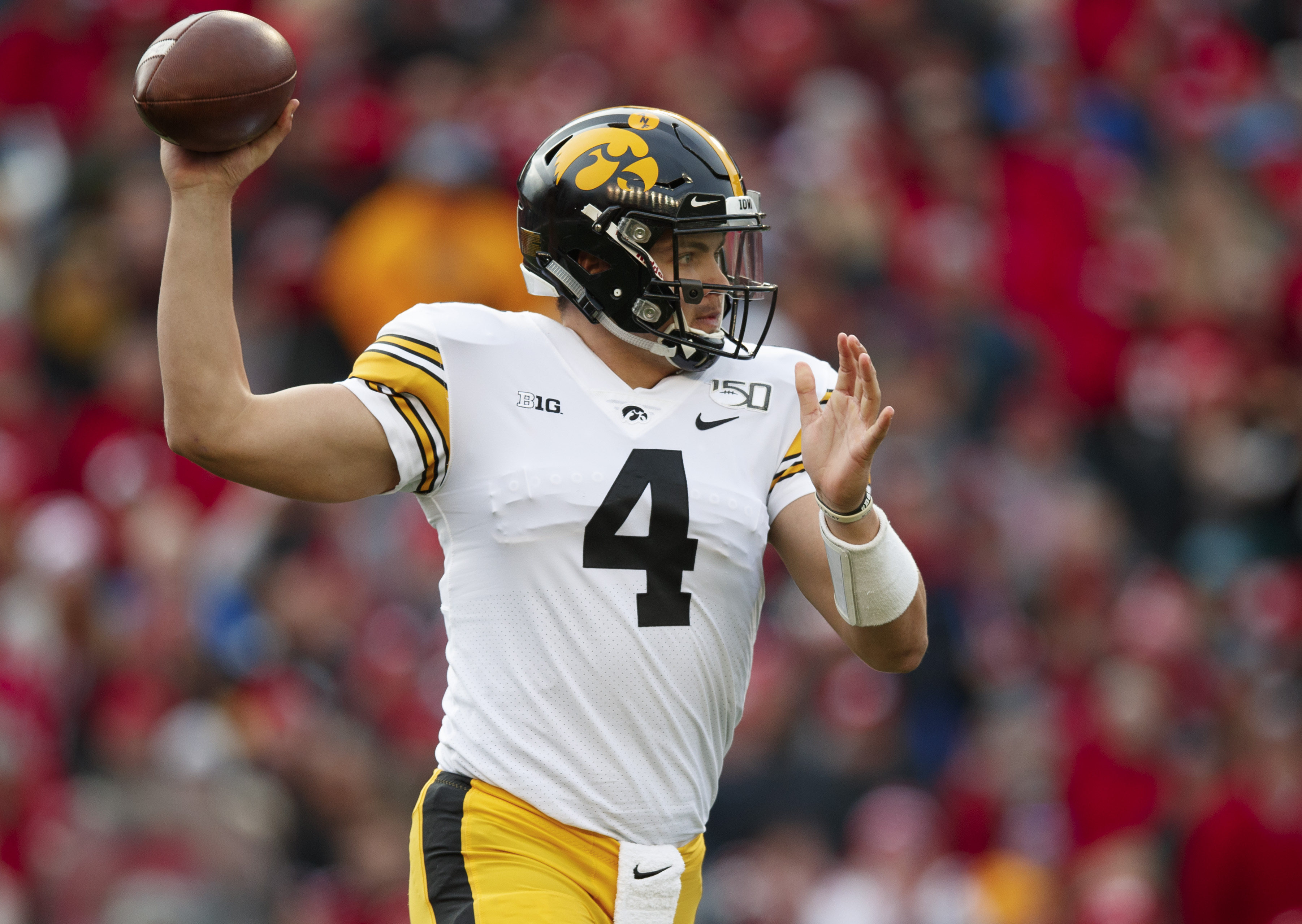Iowa Hawkeyes destroy Minnesota Golden Gophers perfect season