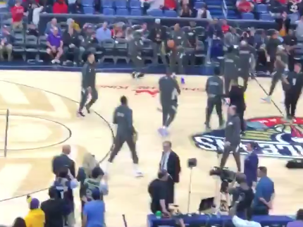 Anthony Davis showered with boos by Pelicans fans (Video)