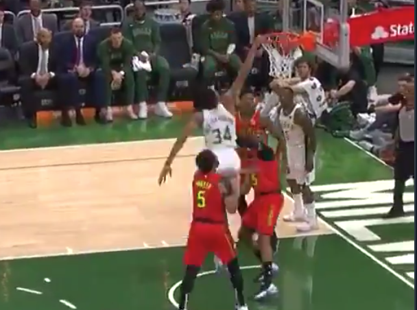 Giannis Antetokounmpo bullies Vince Carter, then dunks all over him (Video)