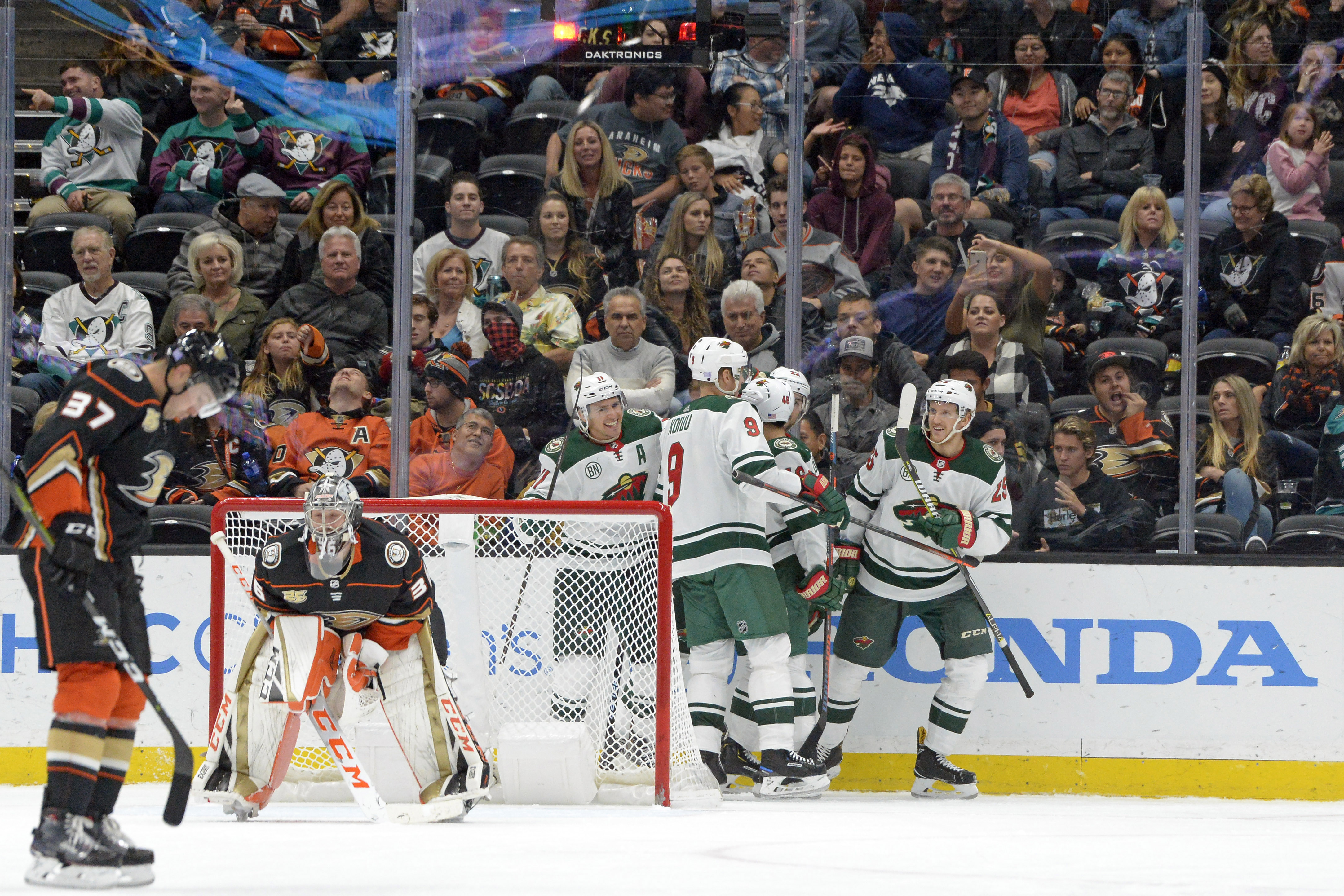 Four Unanswered Goals Lift Wild to 4-2 Win over Anaheim