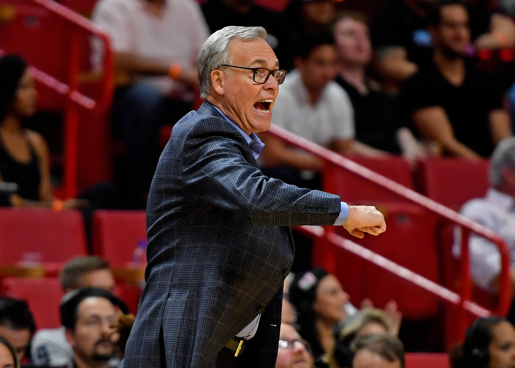 Mike D'Antoni rips team for 'soft' effort  in embarrassing loss to Heat