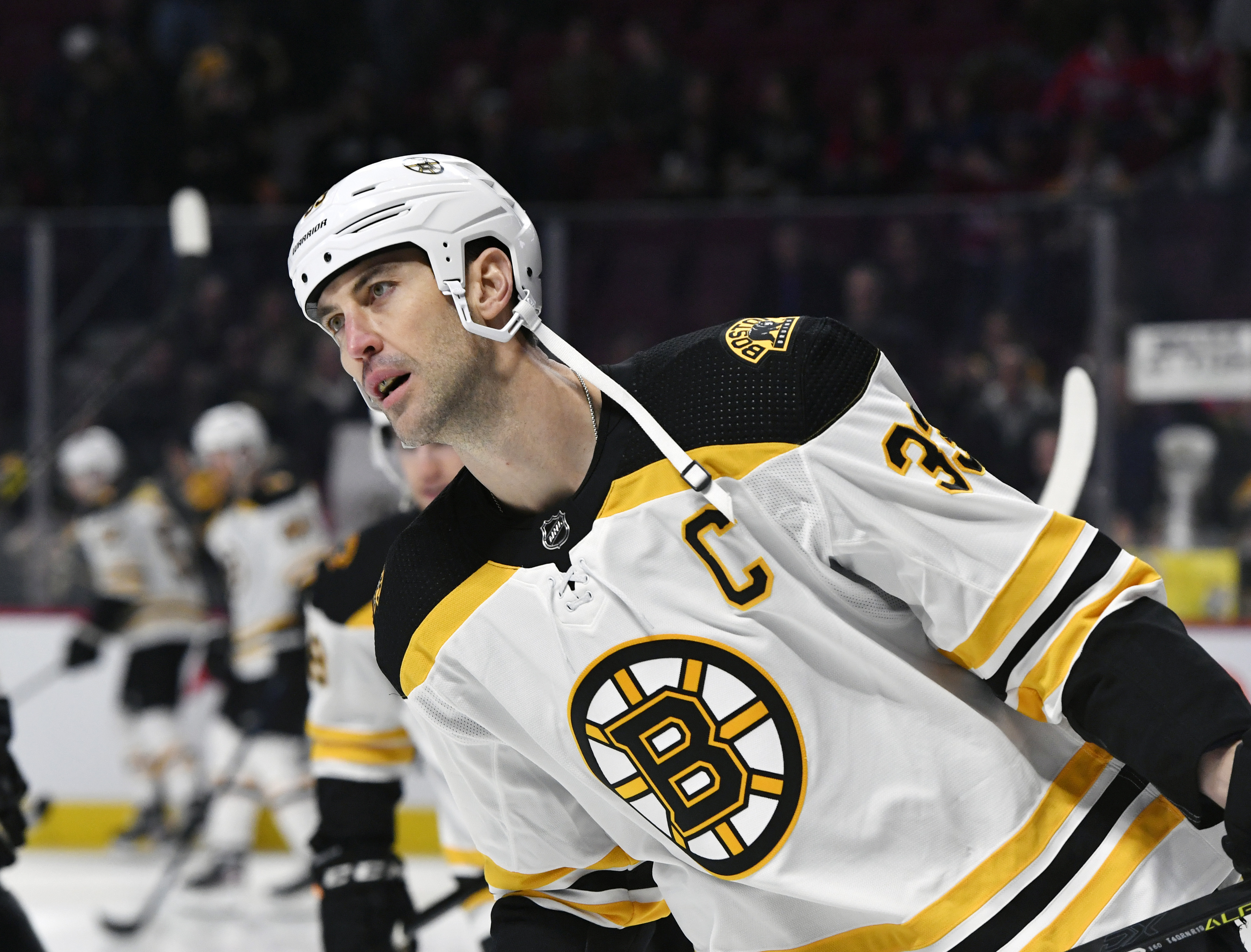 Islanders sign Zdeno Chara to a one-year-deal