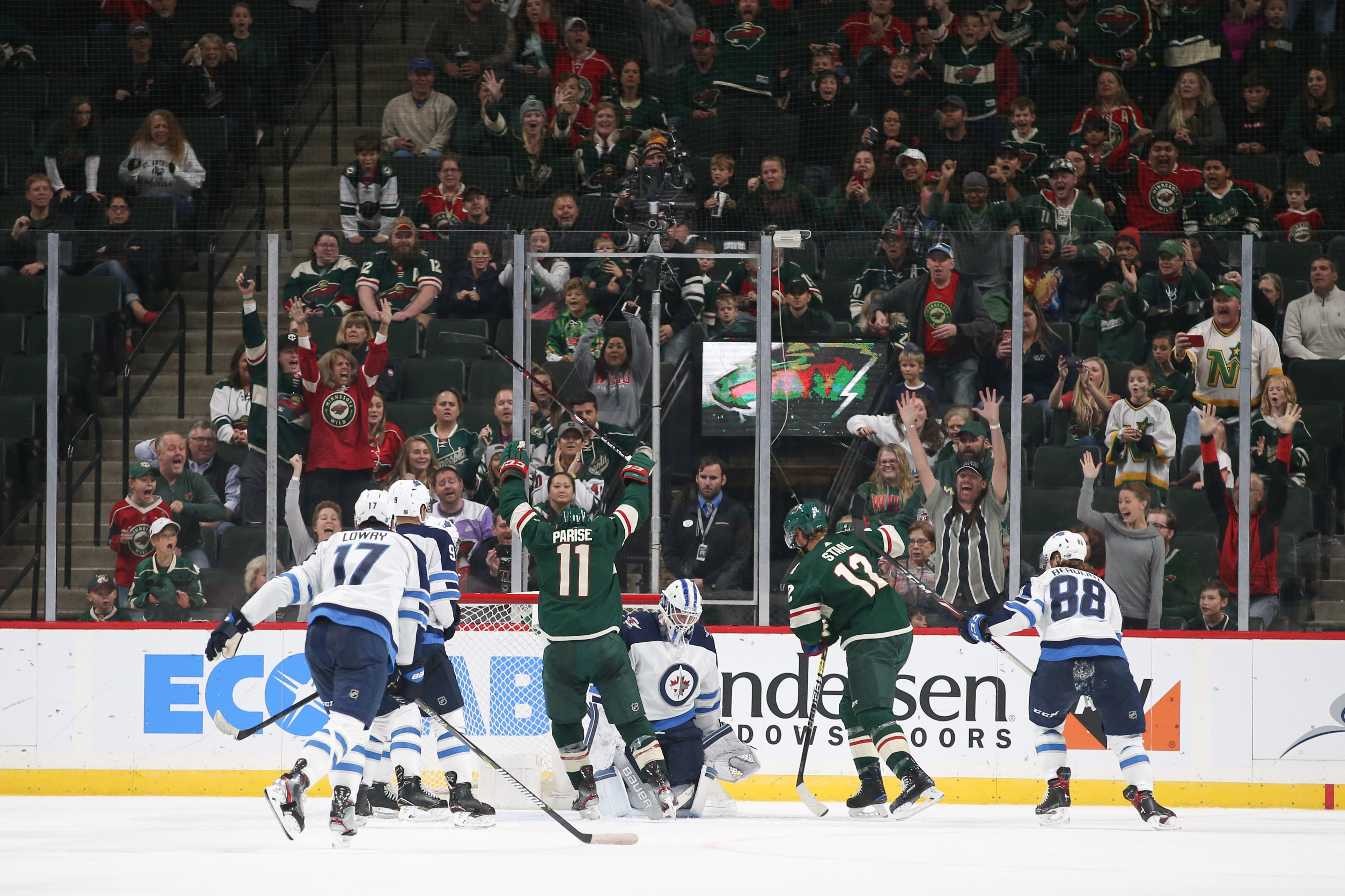 Hellebuyck and the Jets Silence the Wild in 6-0 Rout