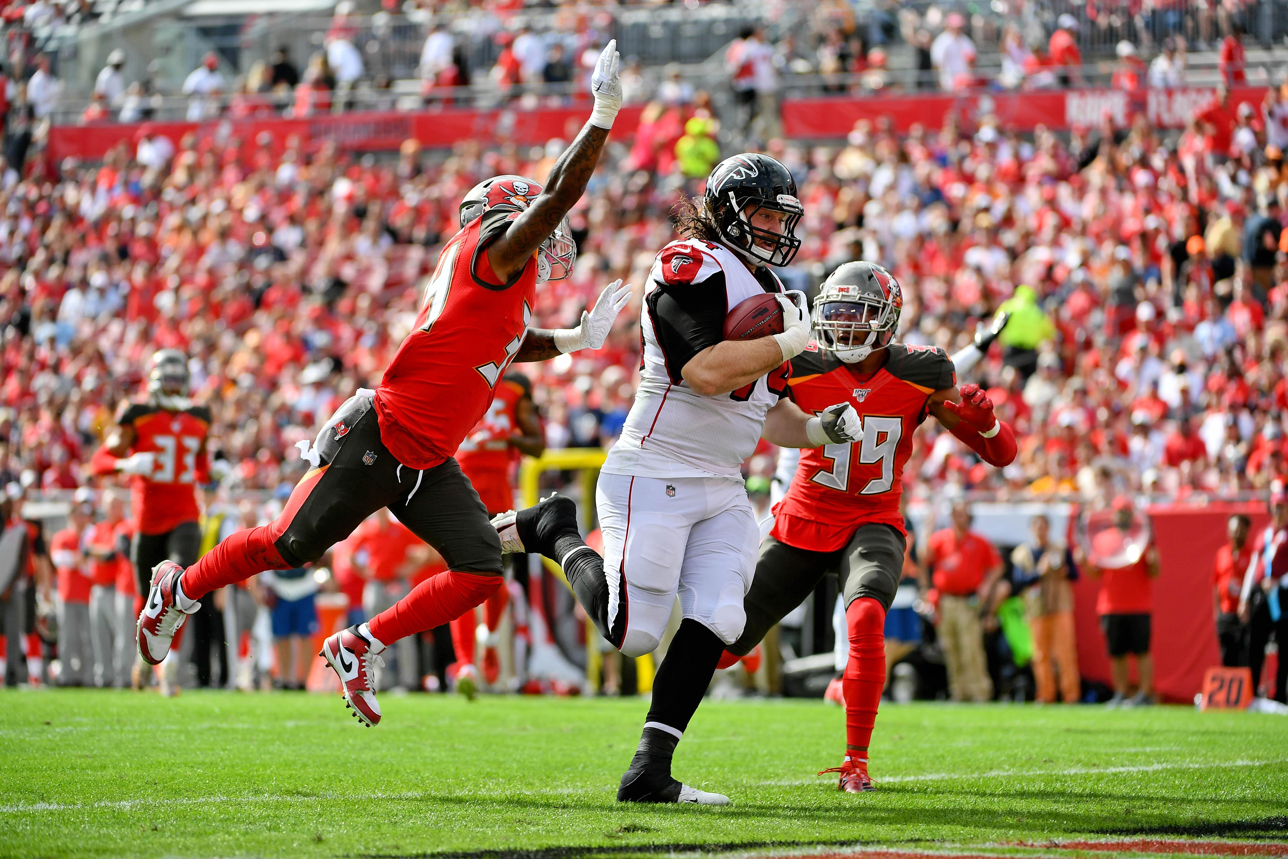 Watch: Falcons 311-lb OL Ty Sambrailo scores 'big guy touchdown' vs Bucs