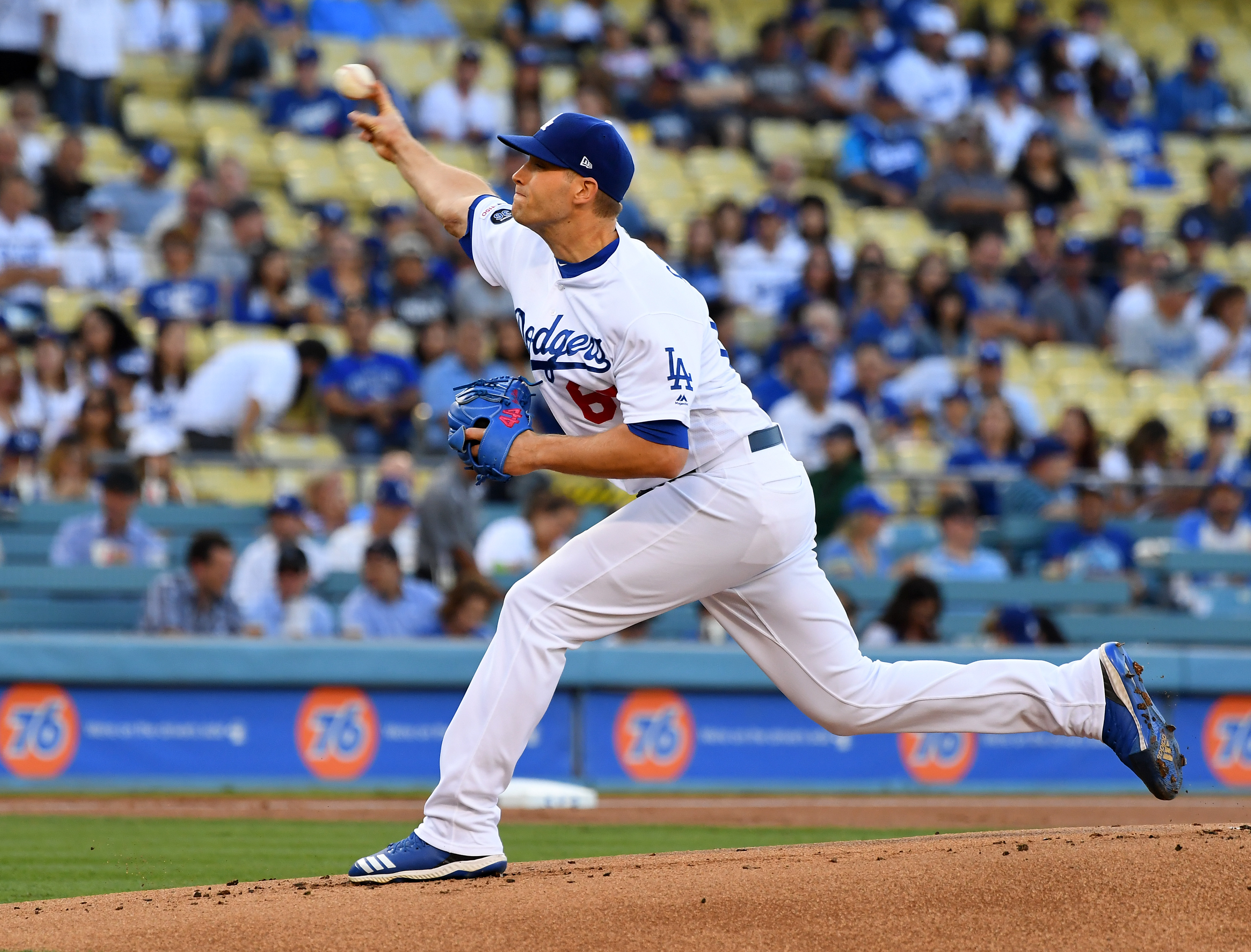 Dodgers trade relief pitcher Casey Sadler to the Cubs
