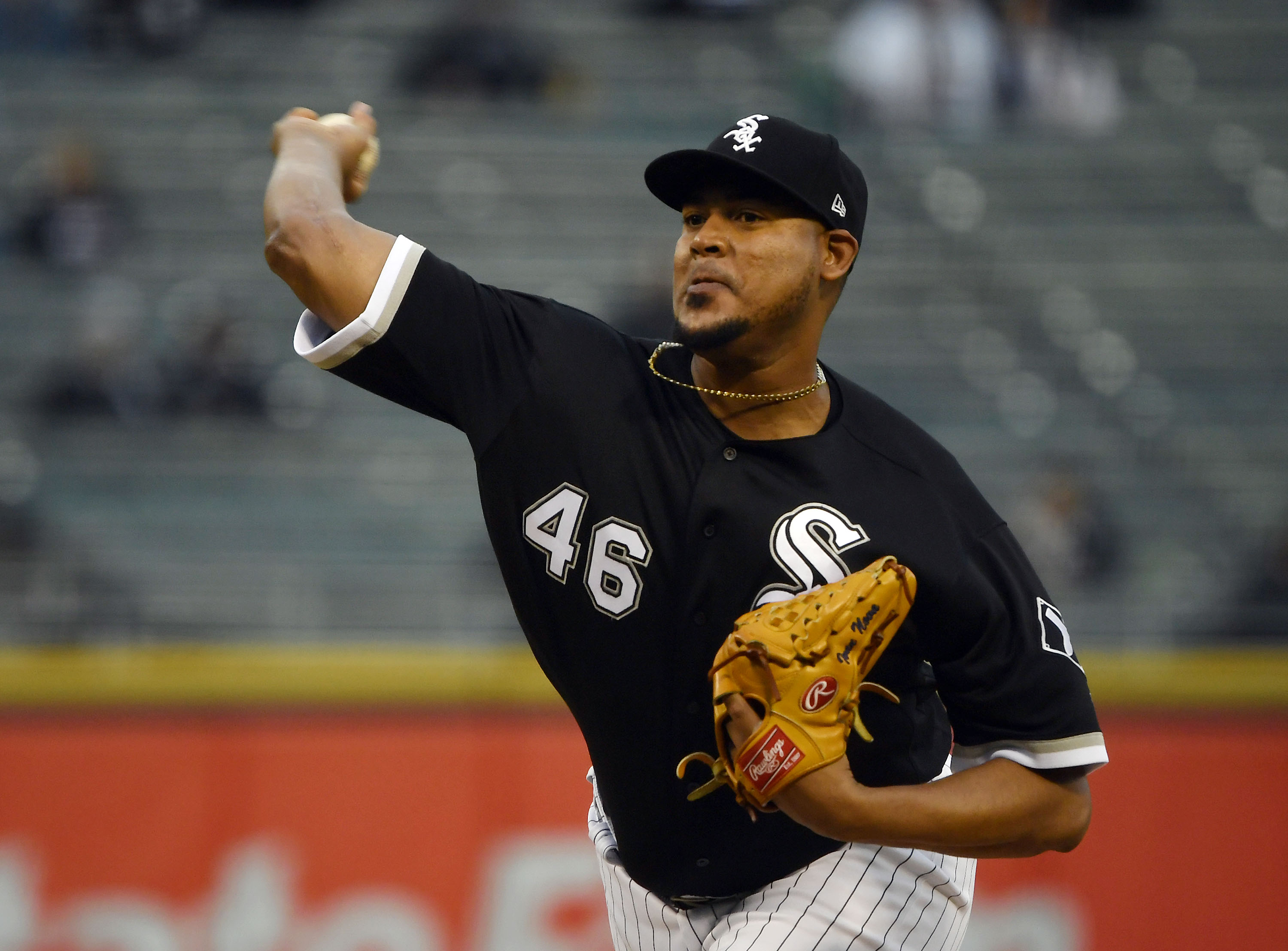 Tigers sign pitcher Ivan Nova from the White Sox