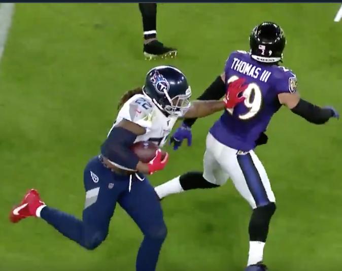 Derrick Henry throws Earl Thomas aside like a rag doll on big run (Video)