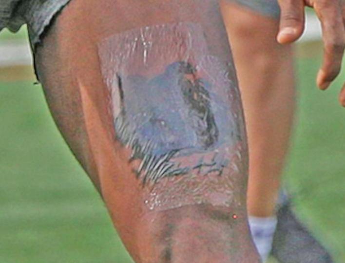 Look: LeBron James honors Kobe Bryant with sick tattoo