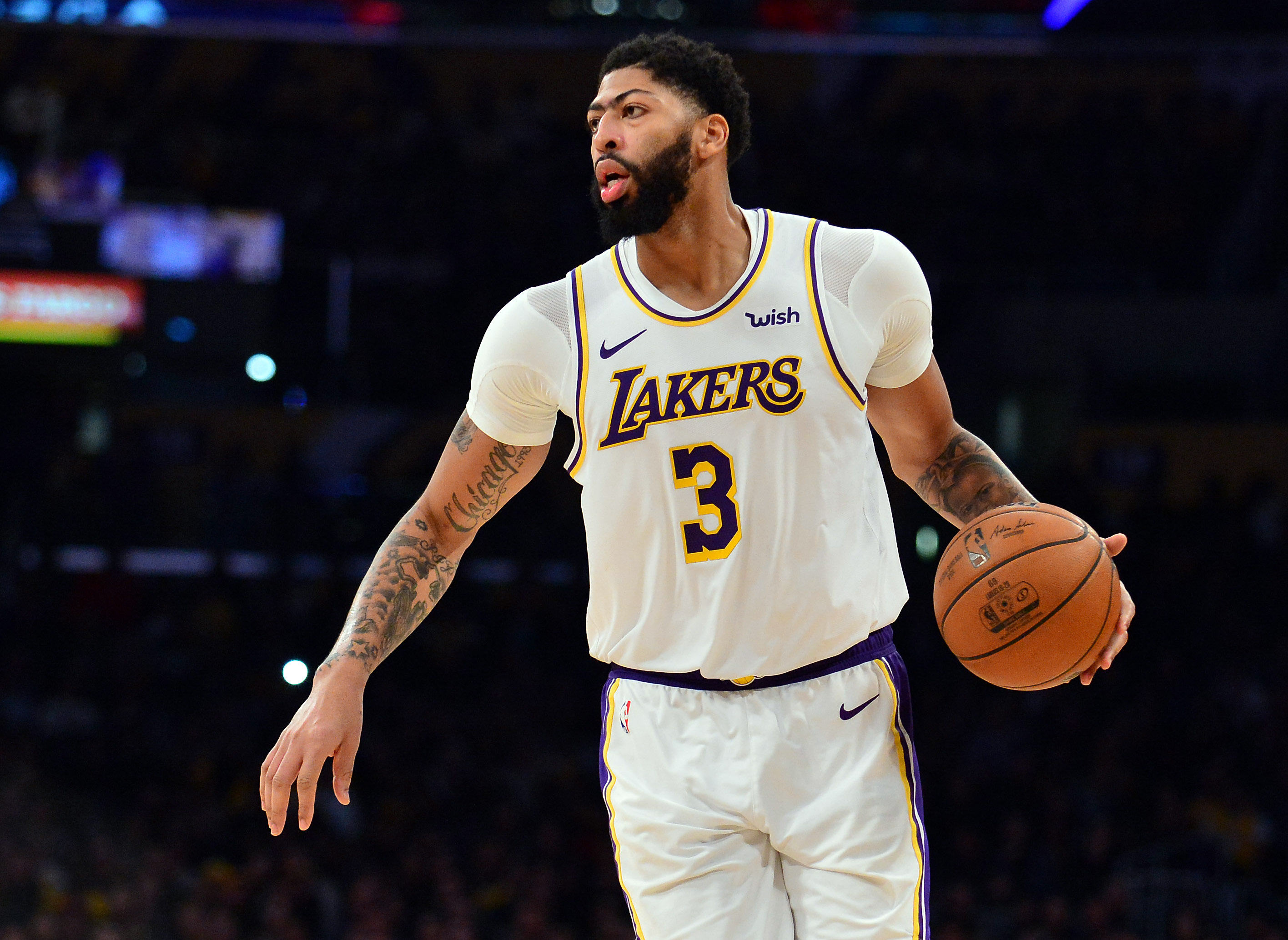 Anthony Davis, Lakers finalizing contract