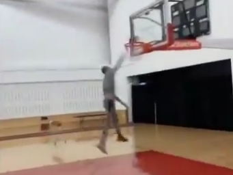Zach LaVine nearly throws down unbelievable 360 dunk in practice (Video)