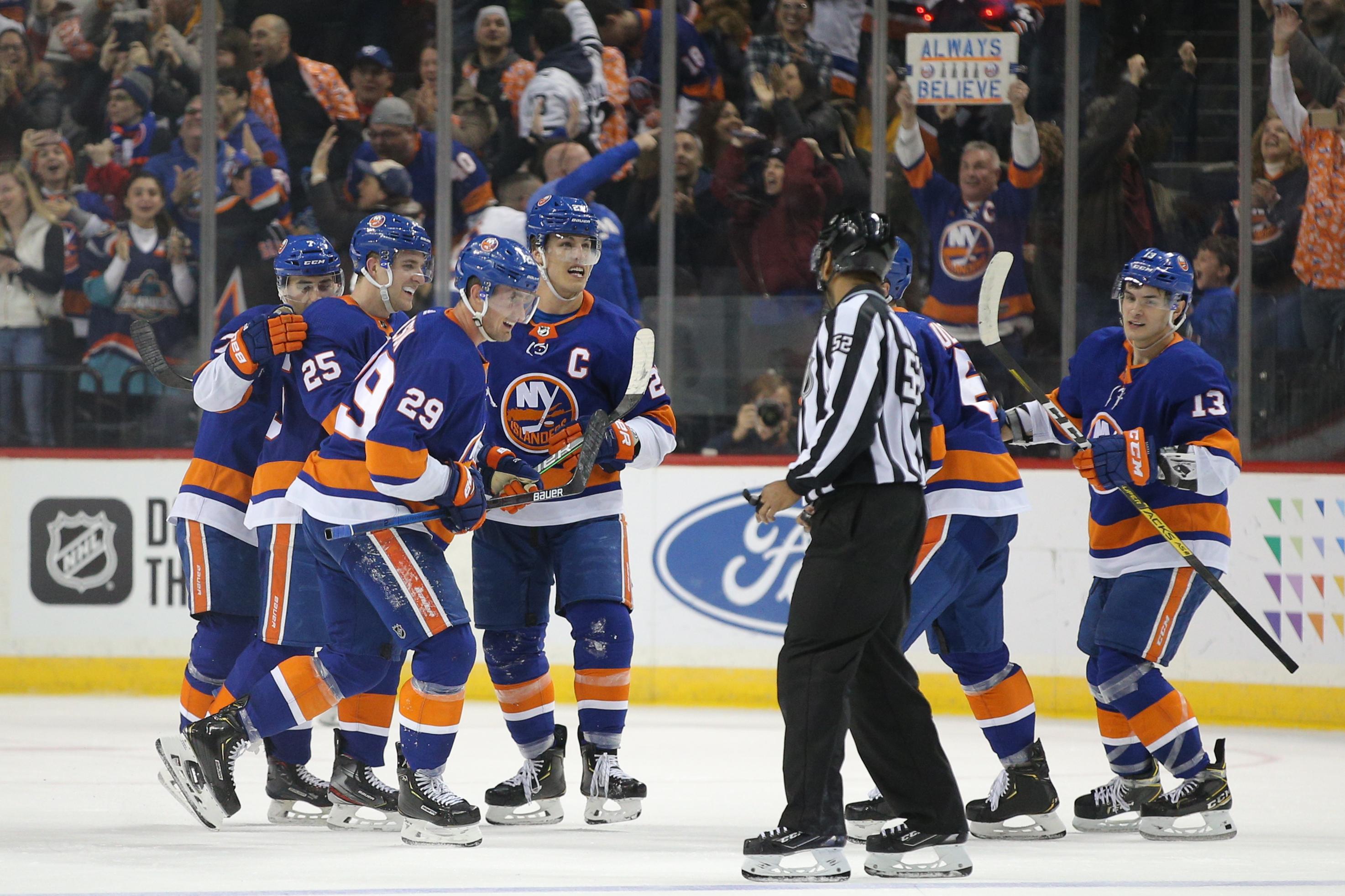 Islanders start second half of season knowing it's crunch time