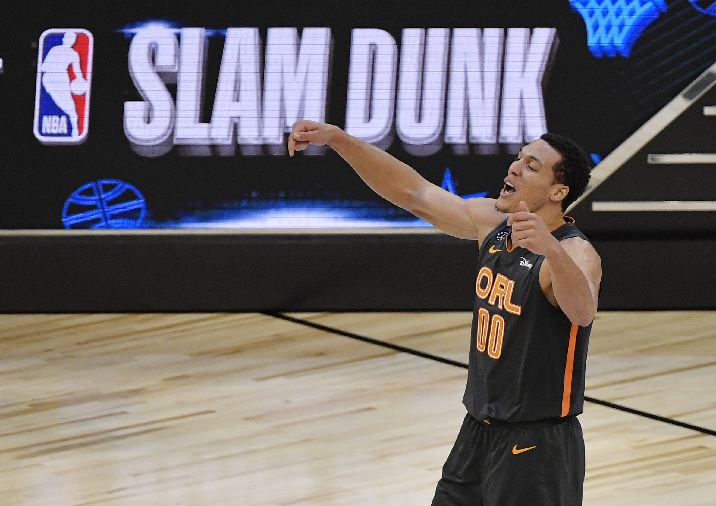 Aaron Gordon takes issue with Slam Dunk Contest judges' scores after title robbery