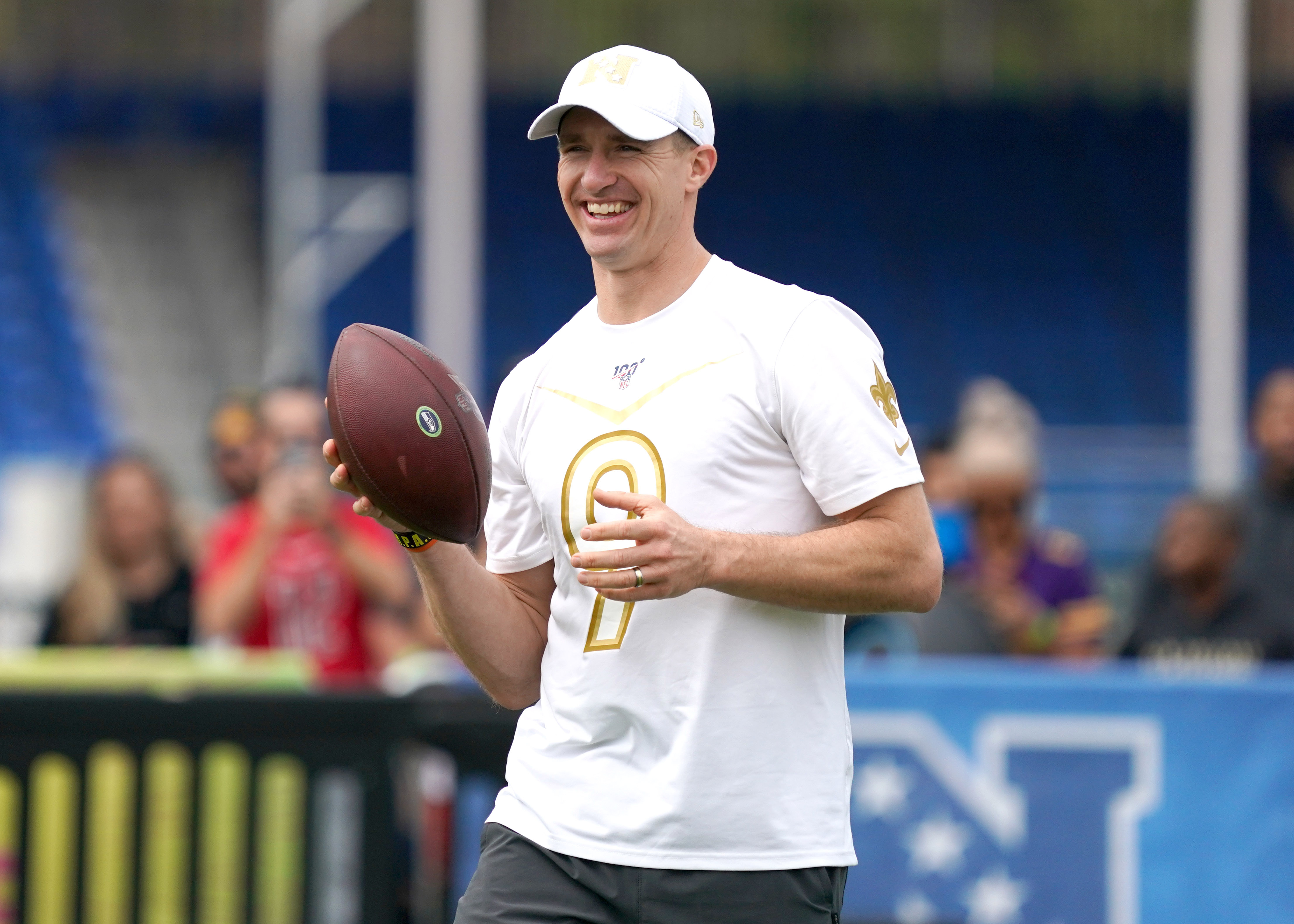 Drew Brees open to taking less money in new contract to help Saints build roster