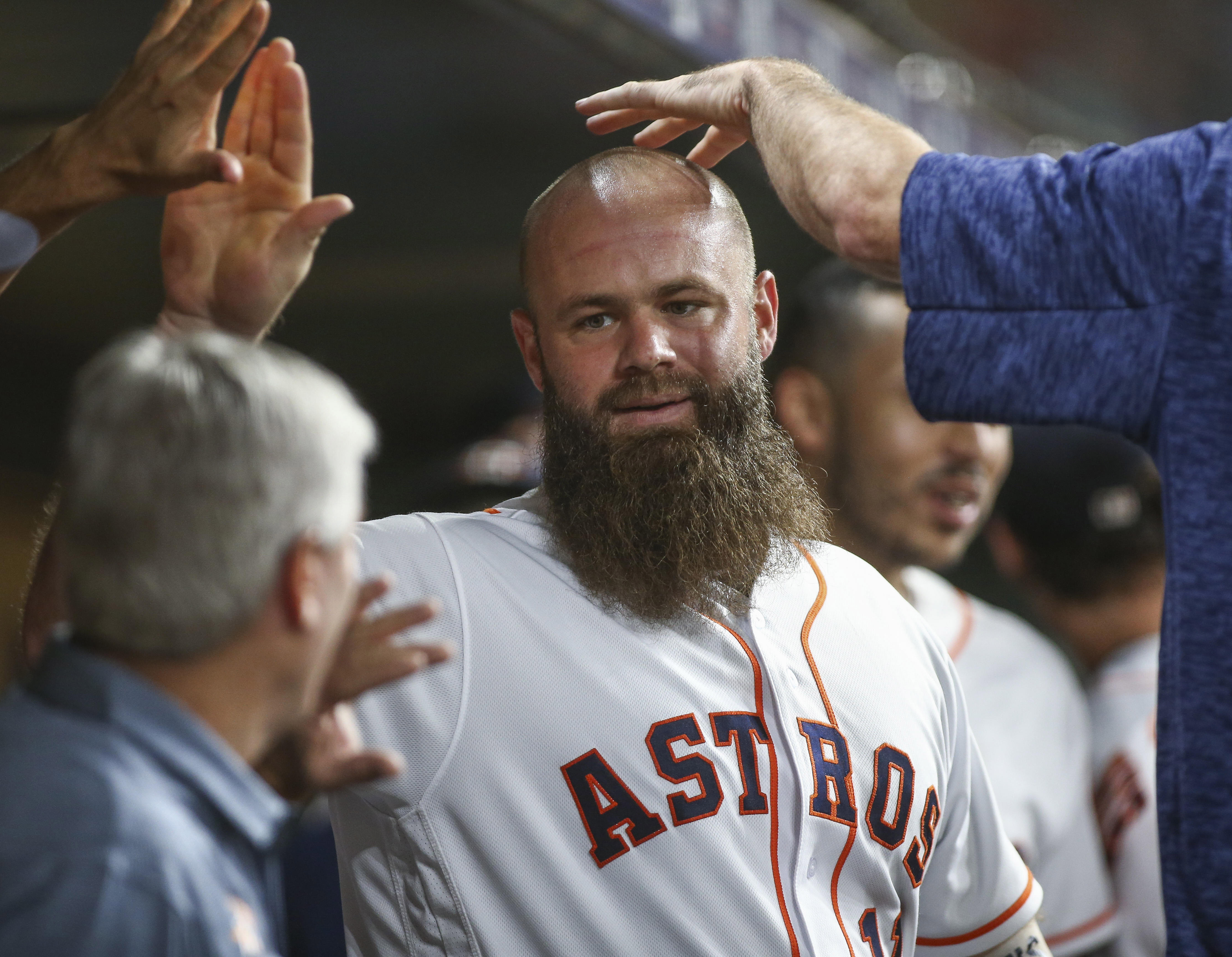 Evan Gattis admits Astros 'cheated baseball' in lengthy apology to MLB, fans